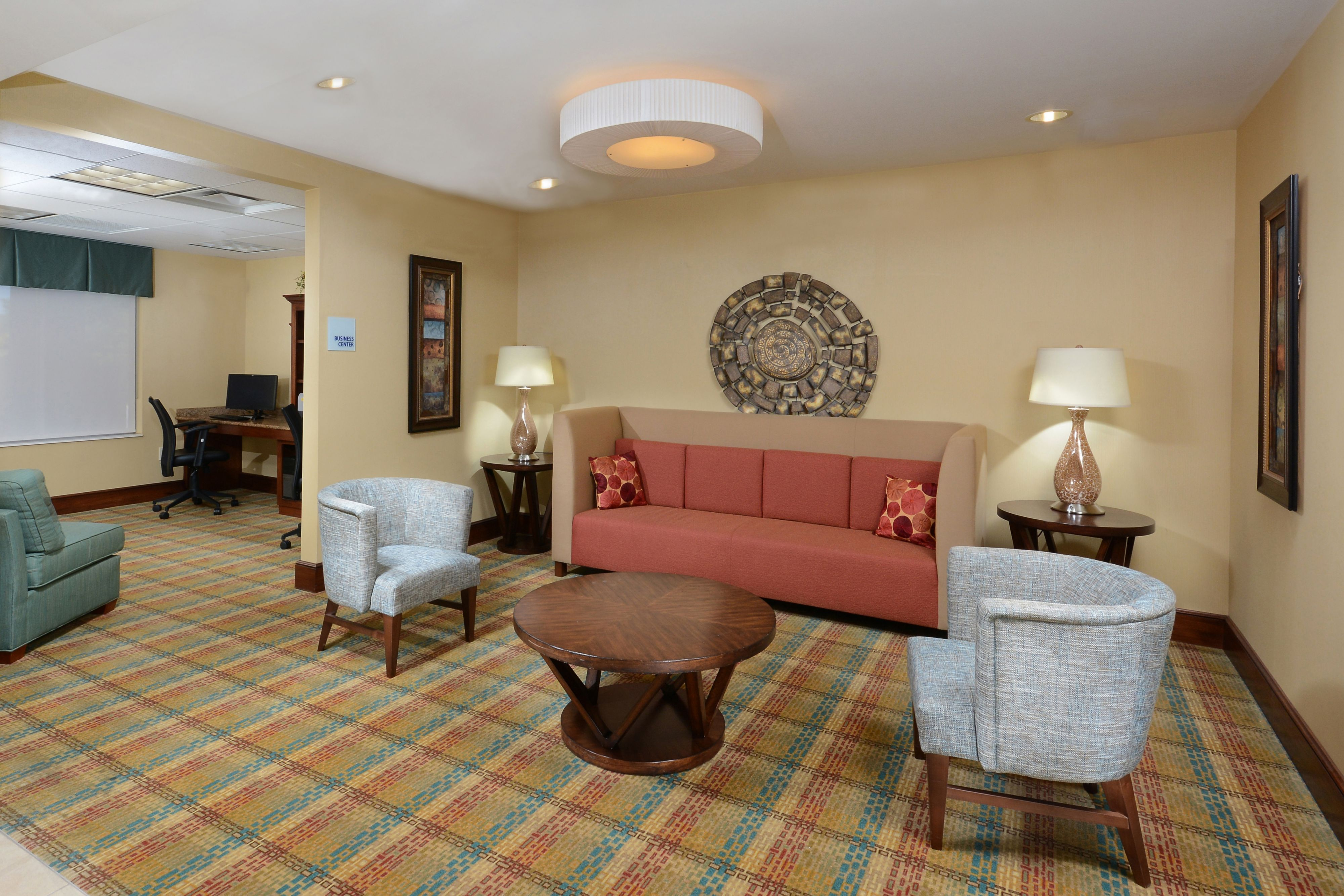 Holiday Inn Express & Suites Greensboro - Airport Area image 4