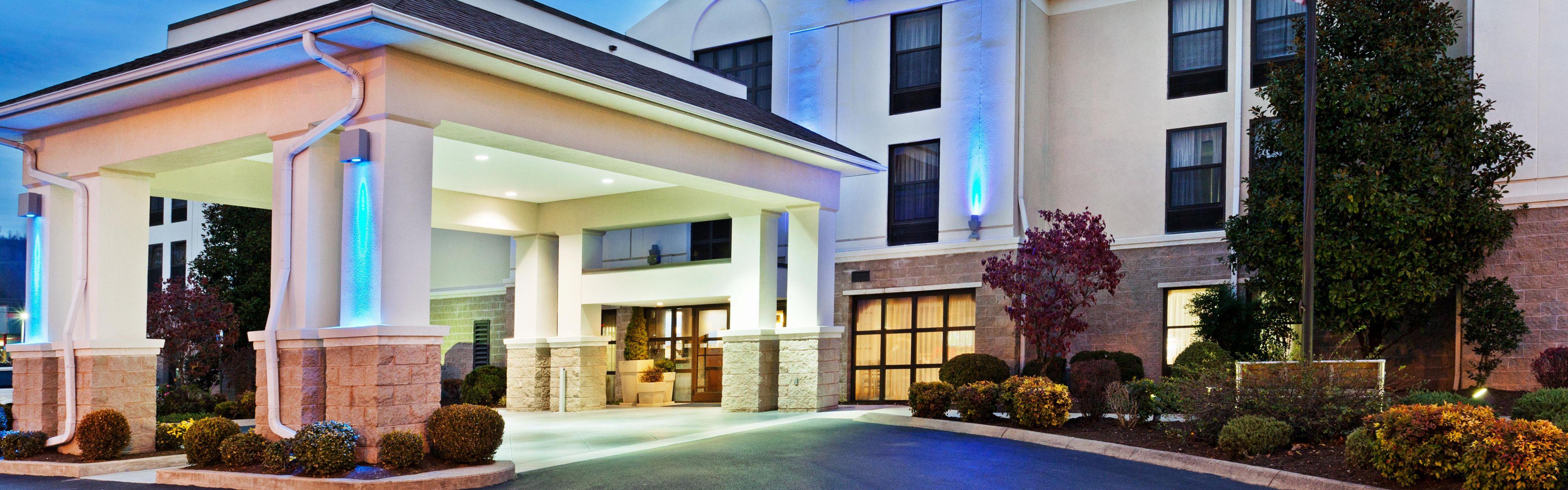 Holiday Inn Express Middlesboro image 0
