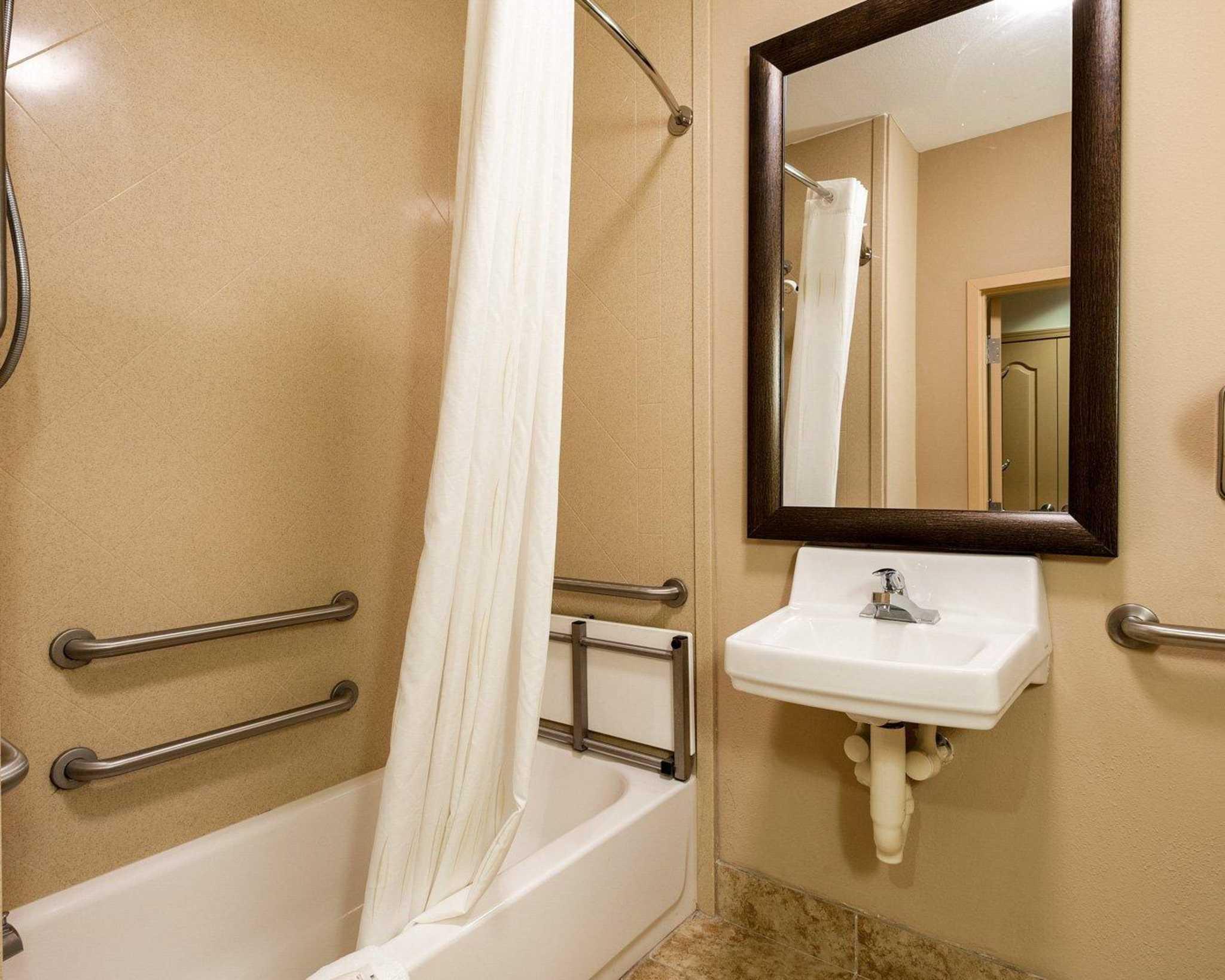 Comfort Suites image 8