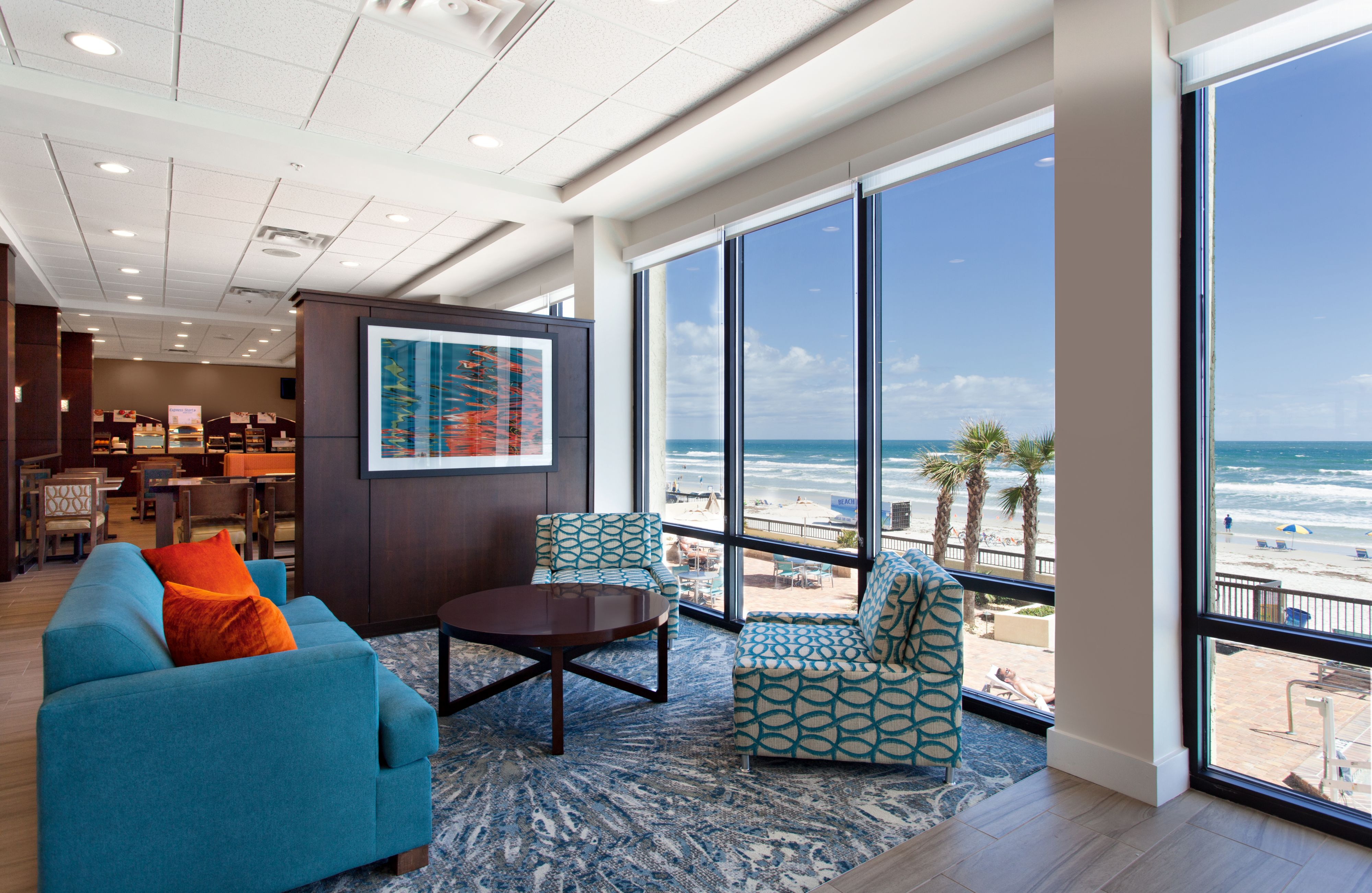 Holiday Inn Express & Suites Oceanfront Daytona Bch Shores image 5