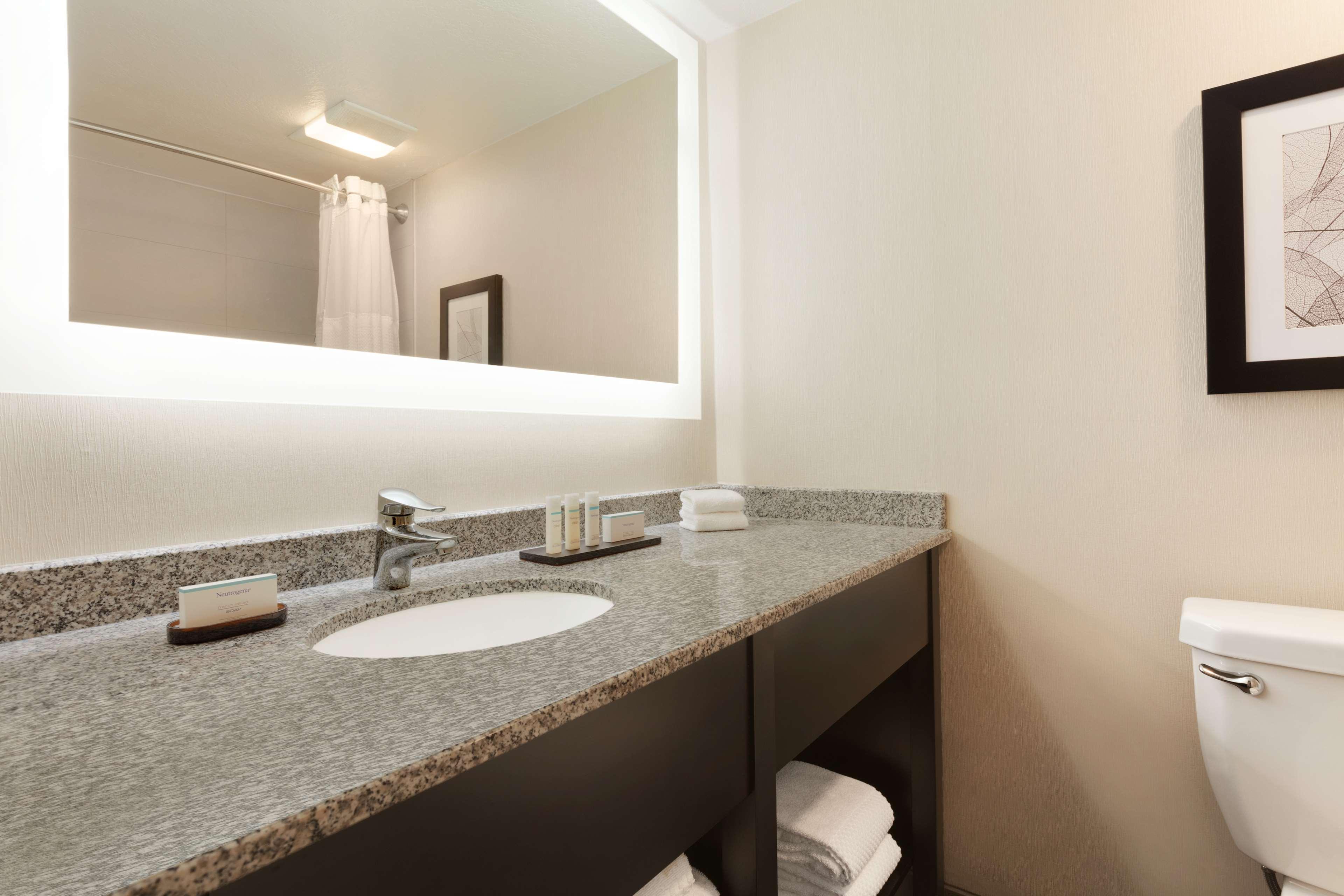 Embassy Suites by Hilton Arcadia Pasadena Area image 26