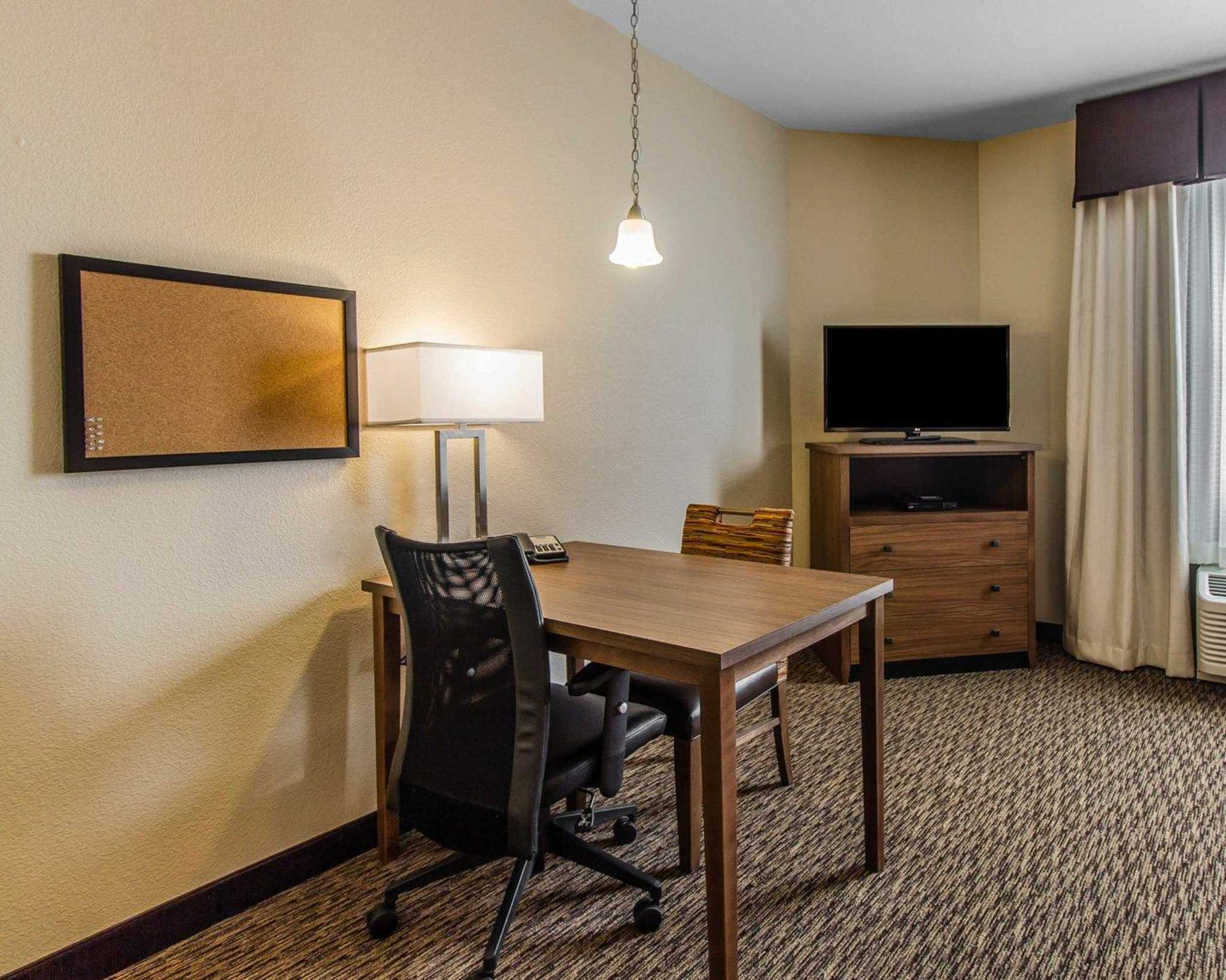 MainStay Suites Event Center image 12
