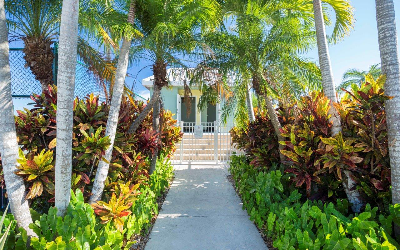 Ocean Walk Apartments image 1