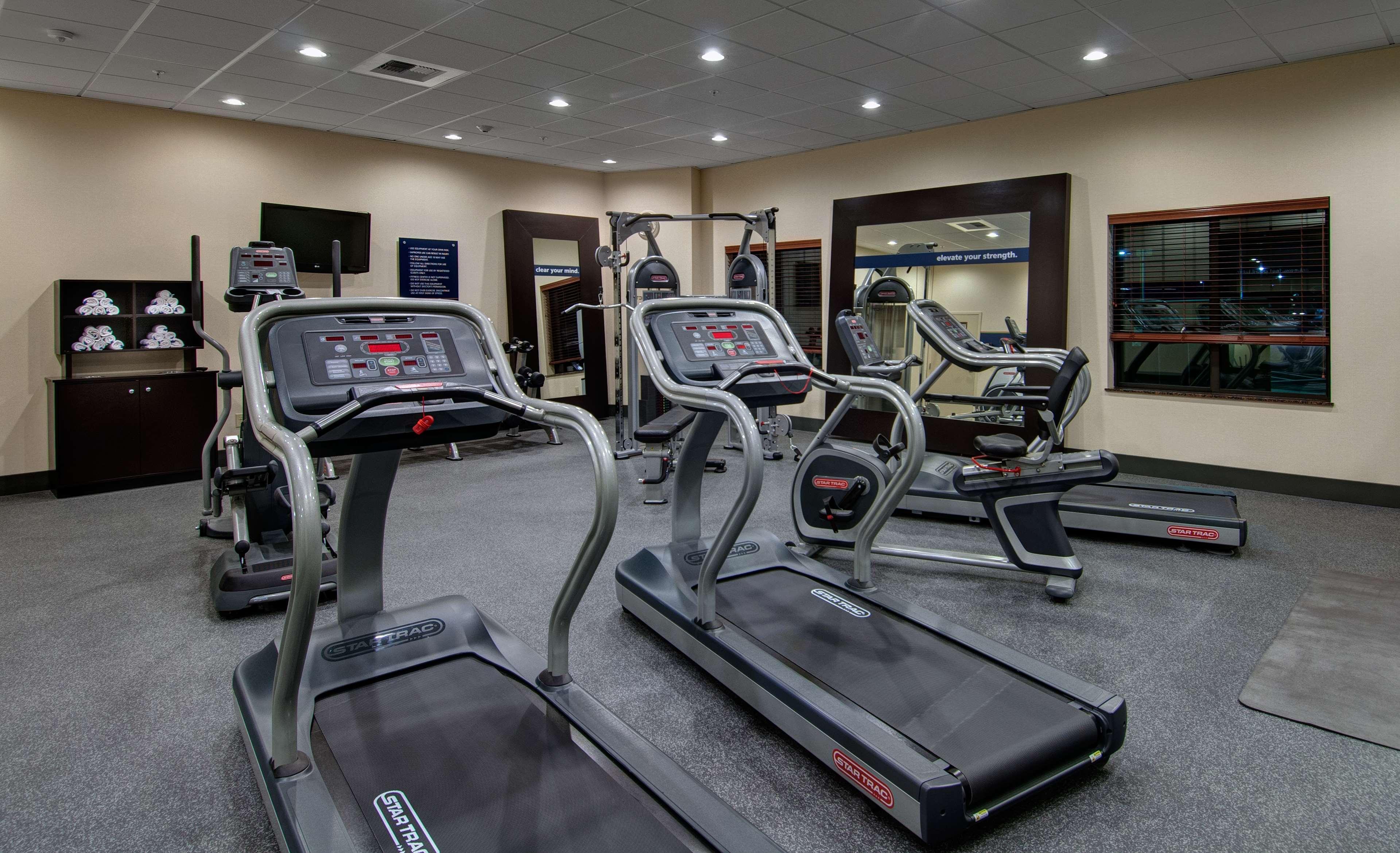 Hampton Inn & Suites Astoria image 10