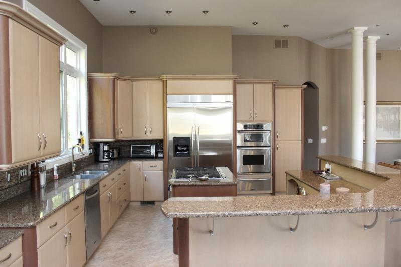 Leeds cabinets ltd chatham on ourbis for A z kitchen cabinets ltd