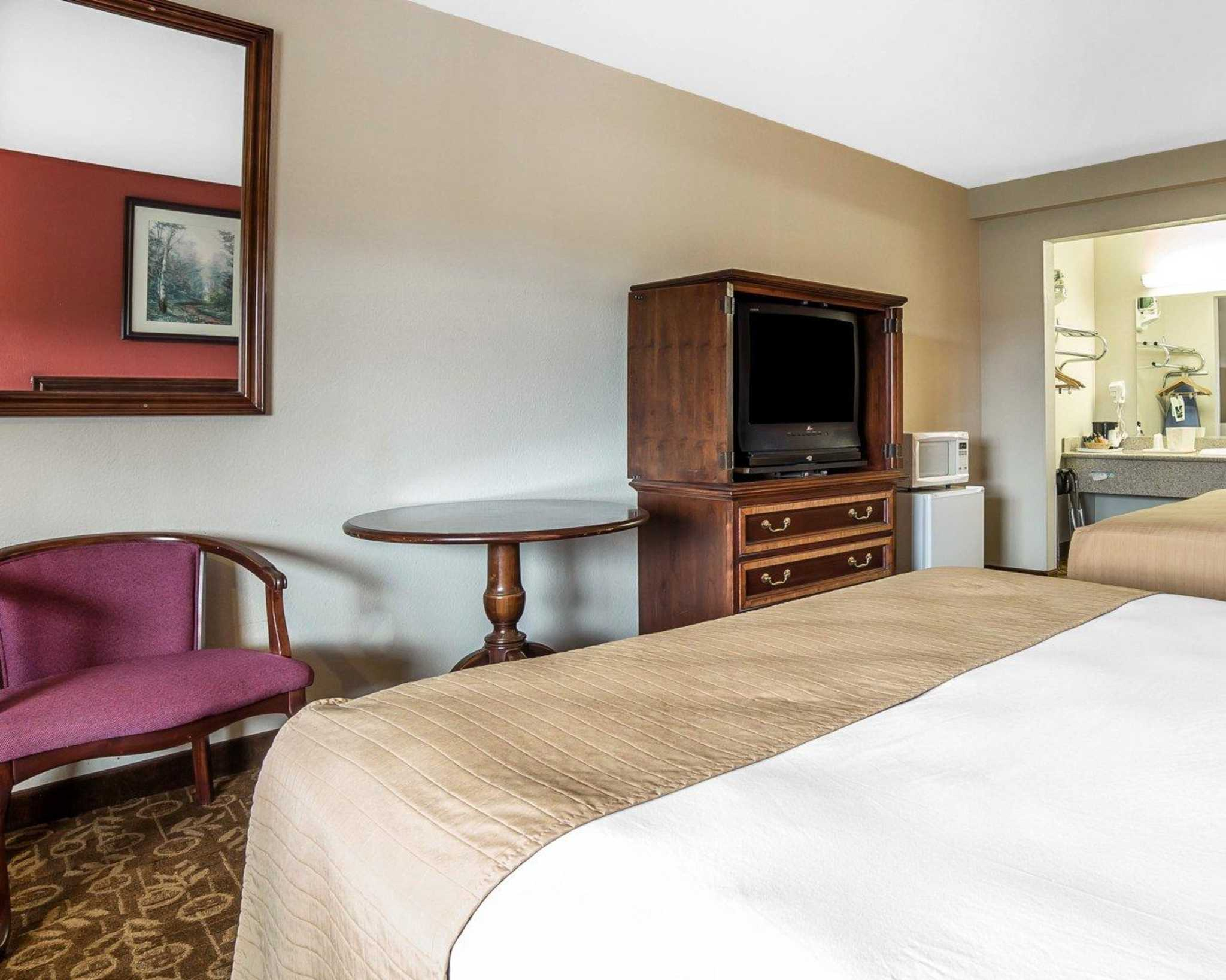Quality Inn & Suites Minden US-395 image 1