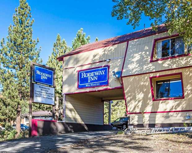 Rodeway inn wildwood inn in mammoth lakes ca 93546 for Mammoth mountain cabins pet friendly