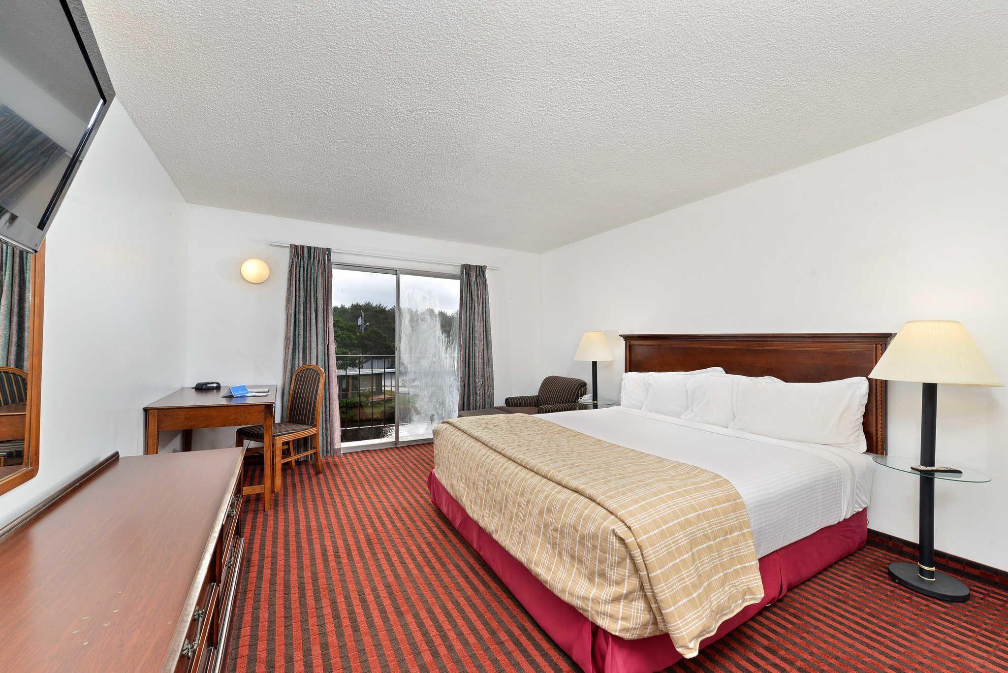 Rodeway Inn & Suites - Closed image 20