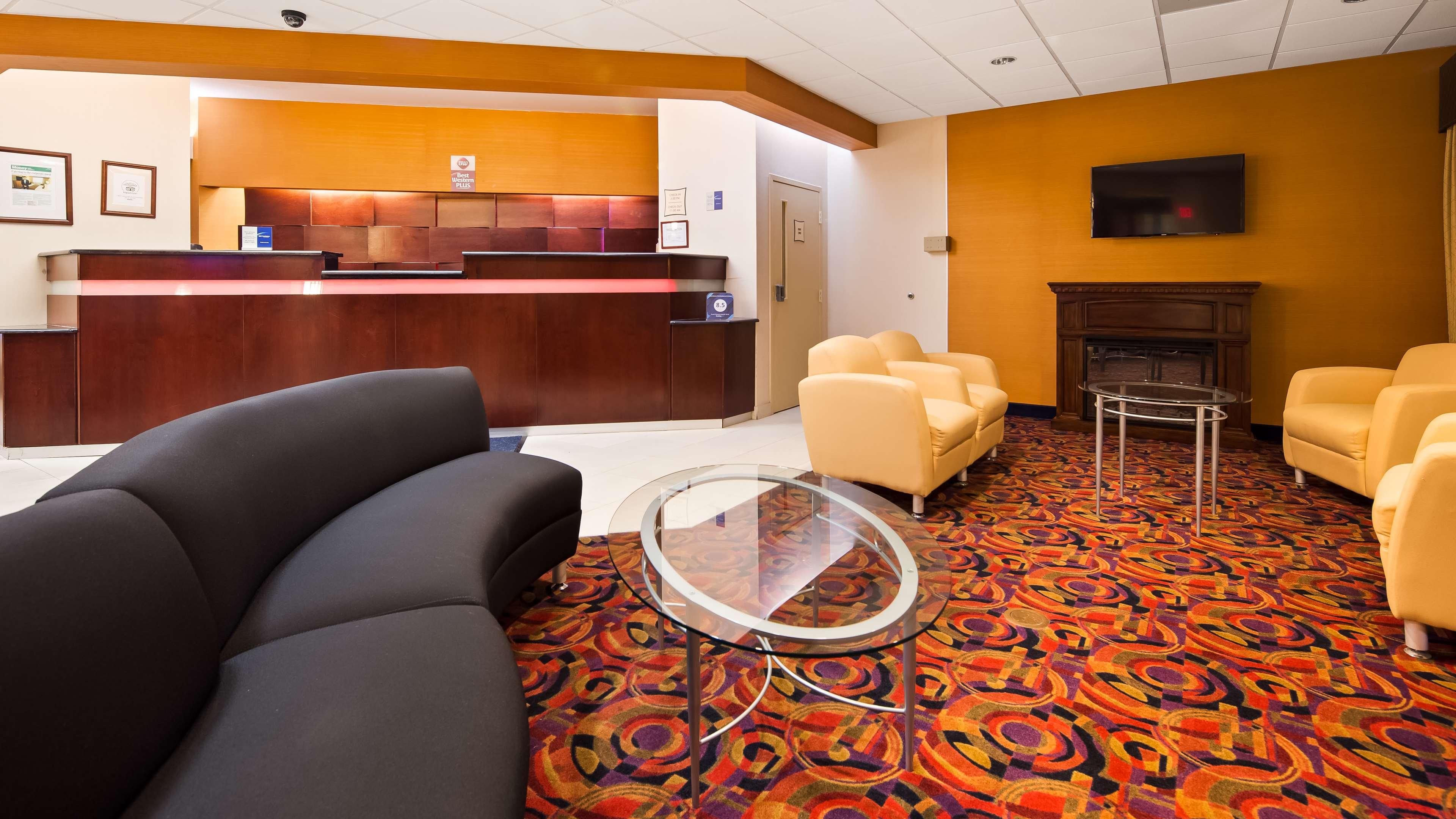 Best Western Plus Reading Inn & Suites image 1