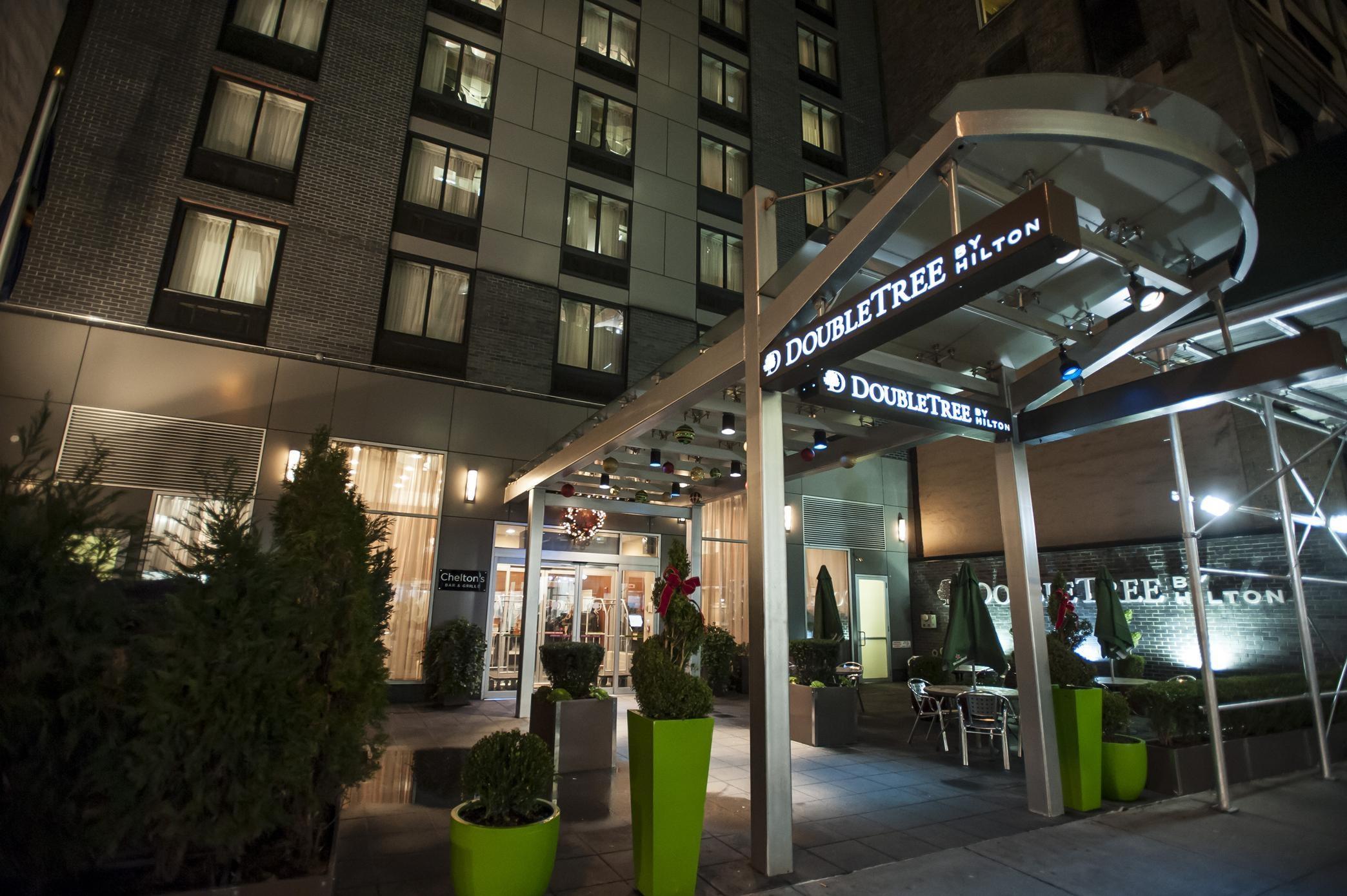 Hilton Hotel Near Avenue Of The Americas New York Ny