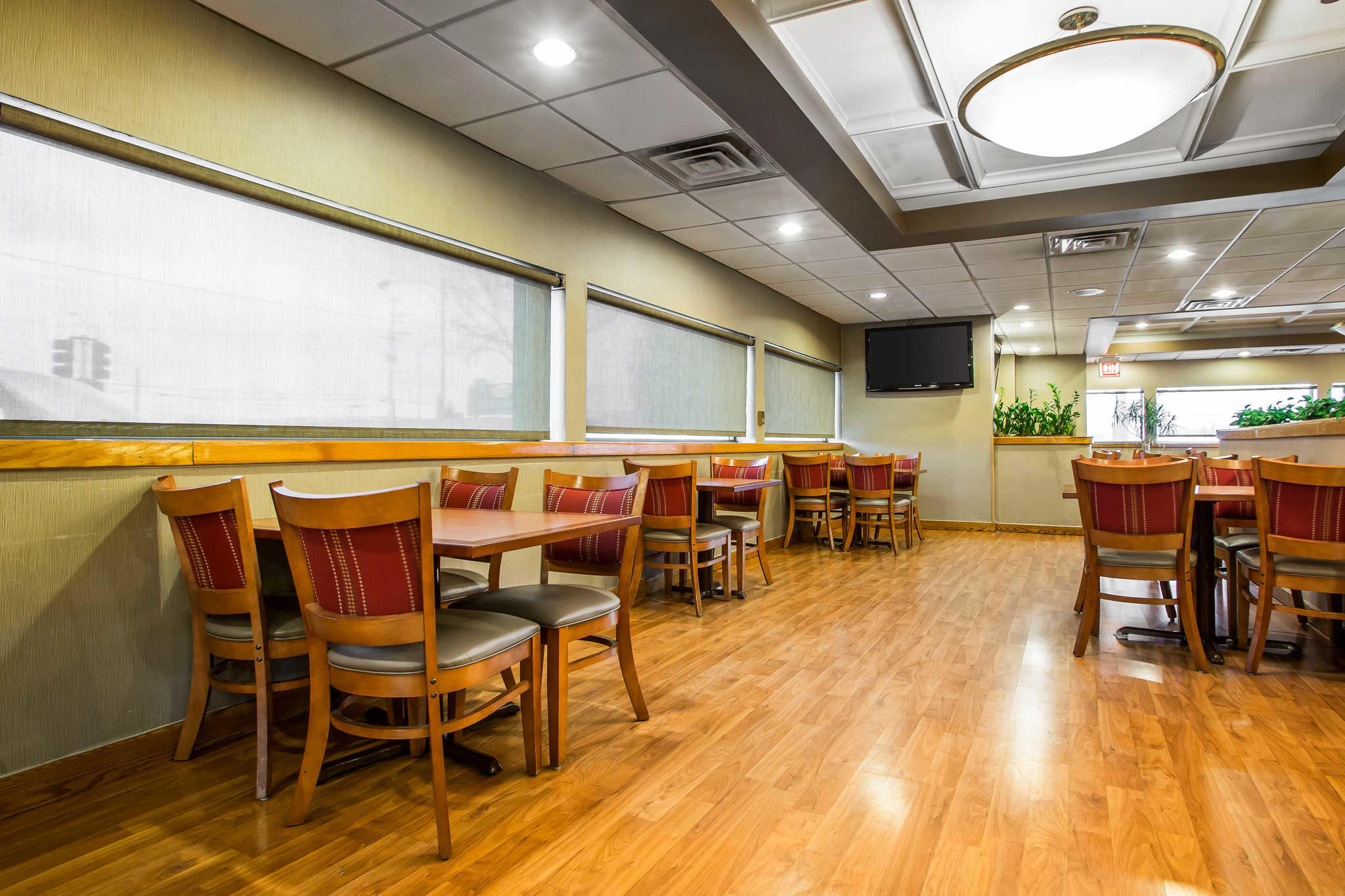 Quality Inn Midway Airport image 20