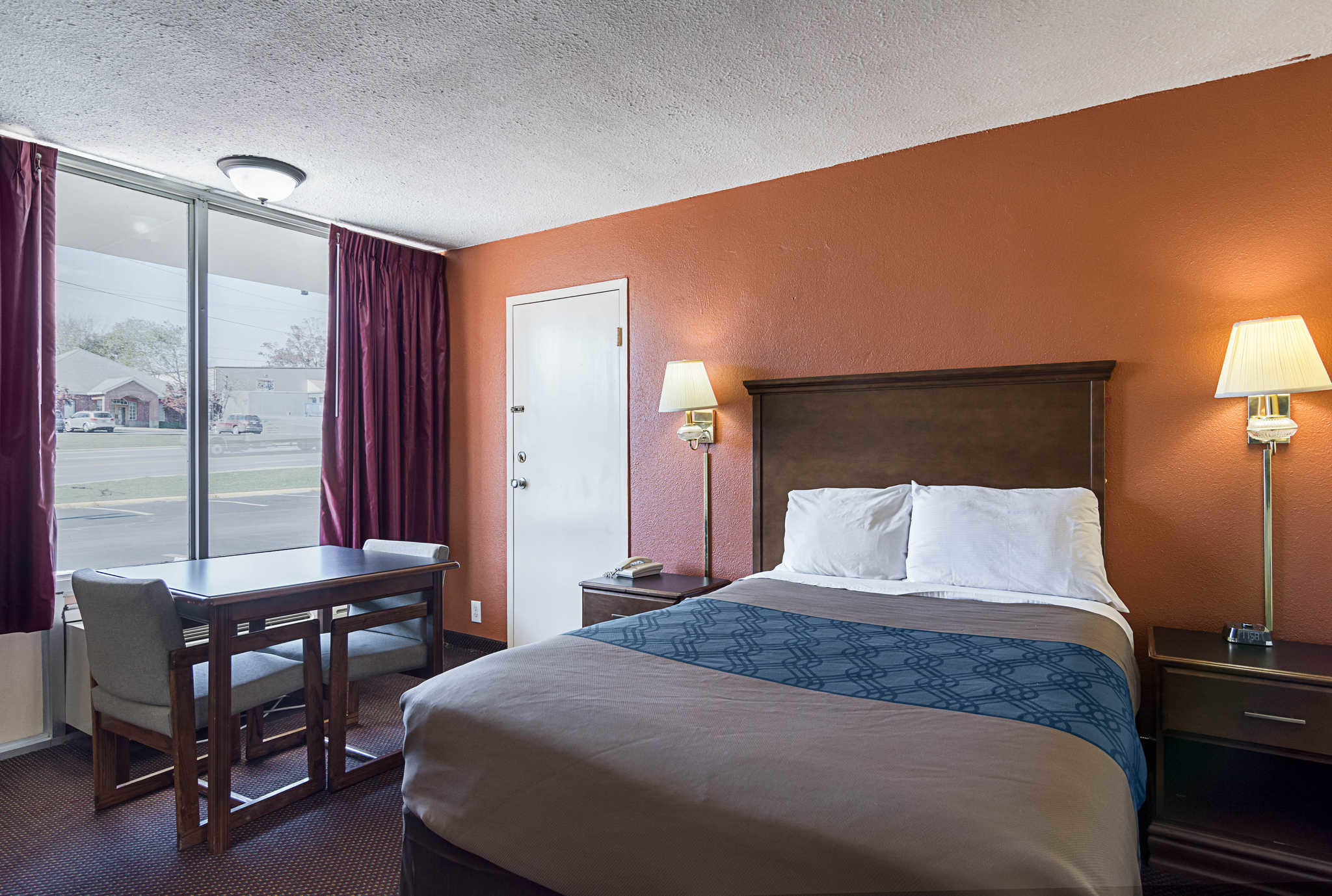 Econo Lodge image 7