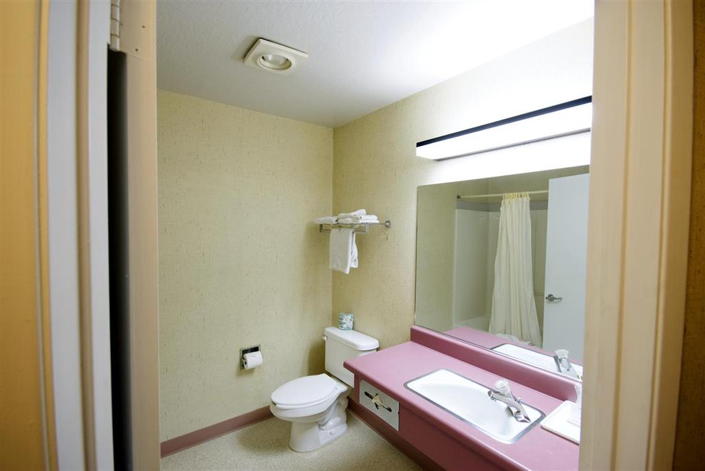 Americas Best Value Inn image 10
