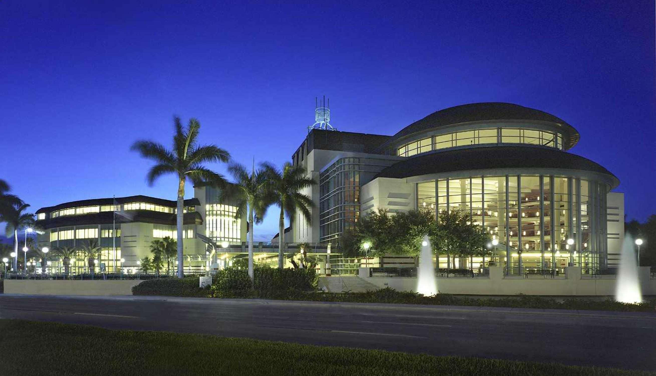 Hilton Garden Inn Boca Raton image 2
