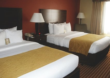 Comfort Inn Amp Suites In Dayville Ct 06241 Citysearch
