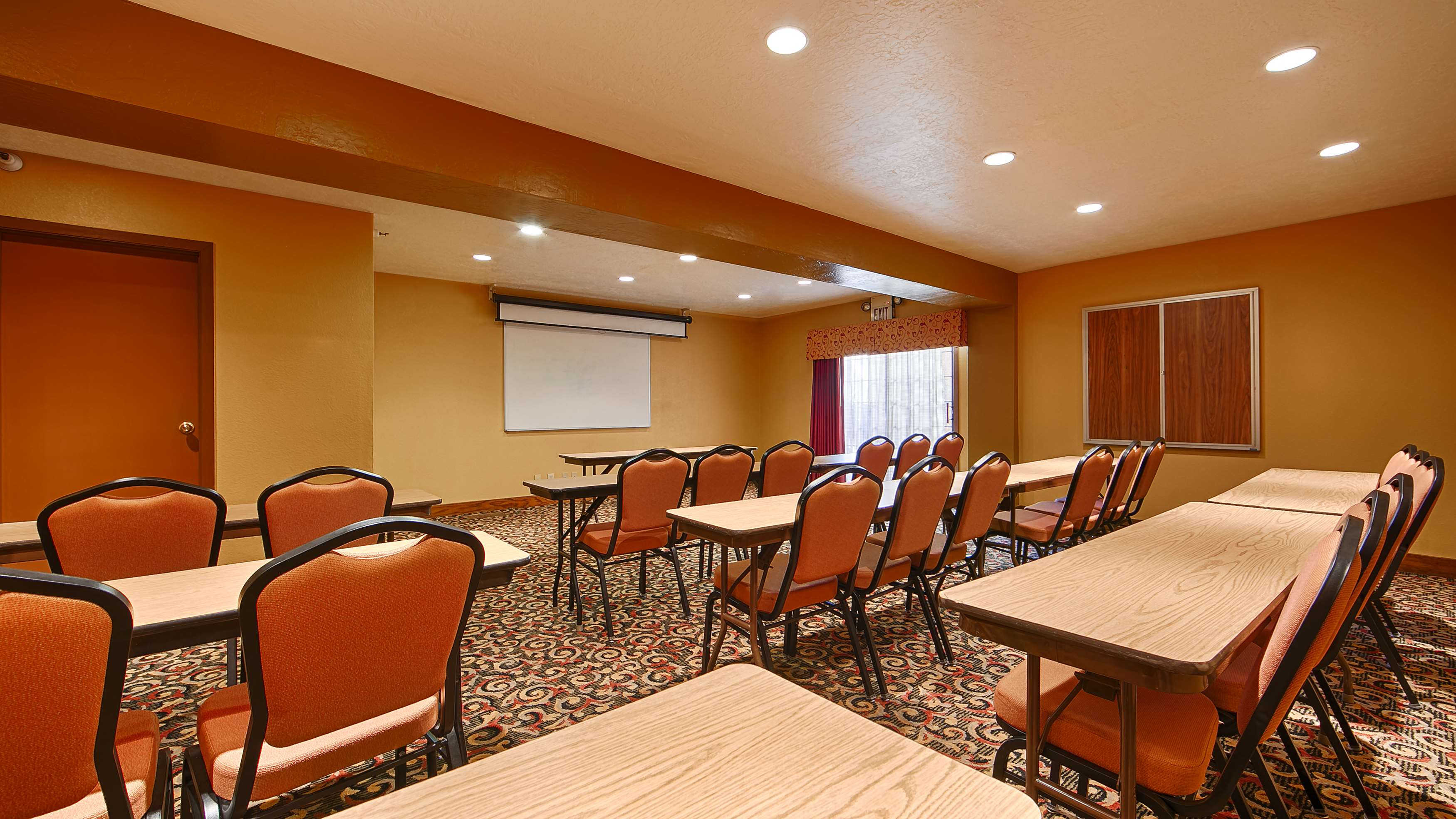 azmeeting s inn green prescott hotels with comforter suites facilities convention az meeting hotel comfort valley