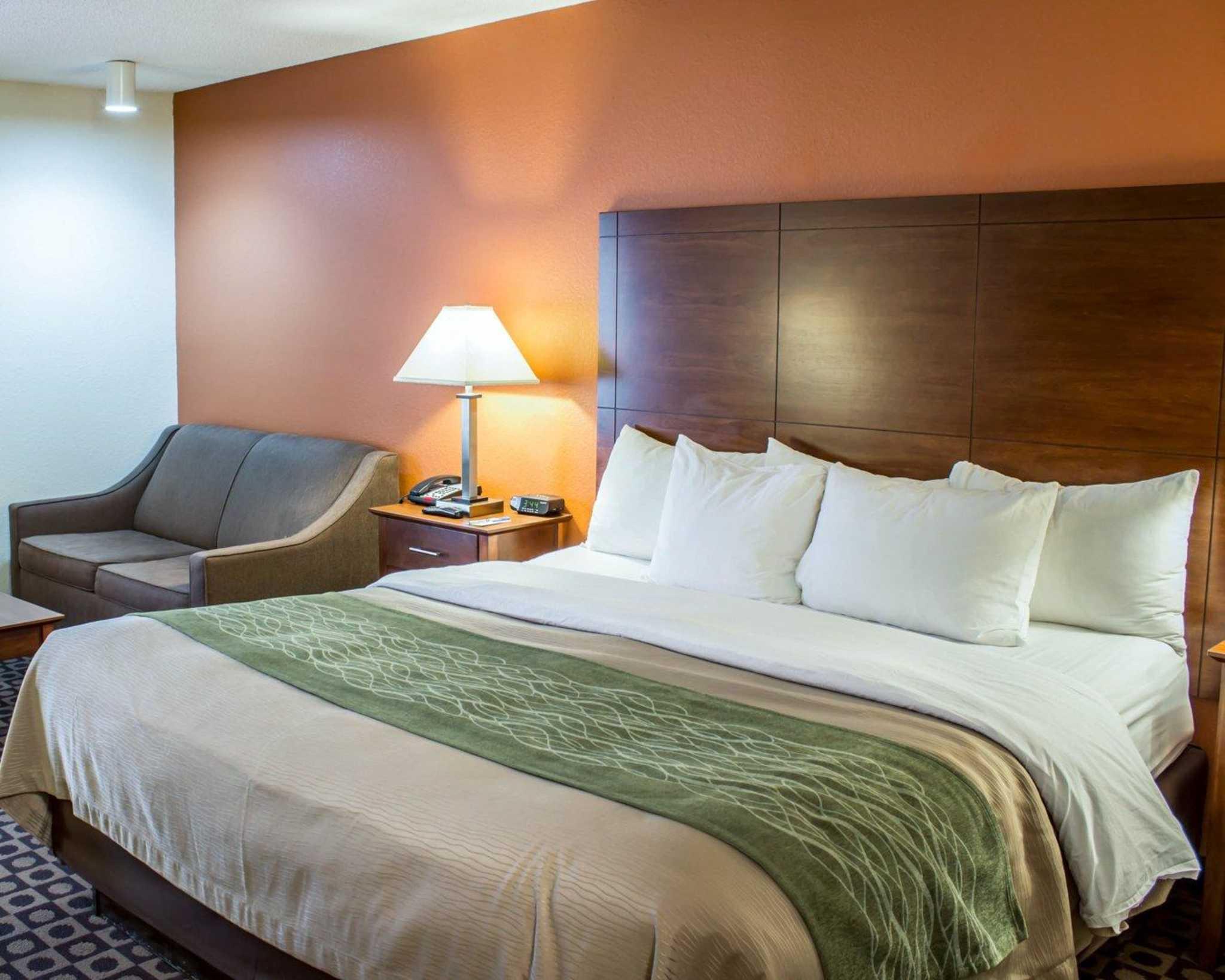 Comfort inn in fayetteville nc 910 321 1 for Carolina motor inn fayetteville nc