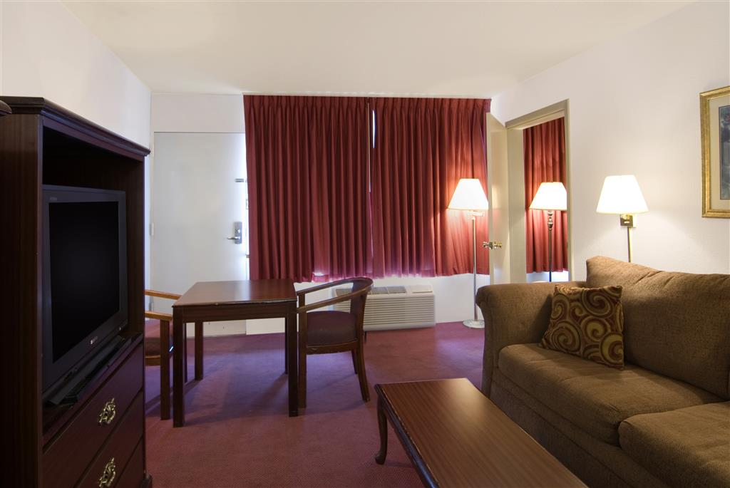 Americas Best Value Inn & Suites Searcy image 7
