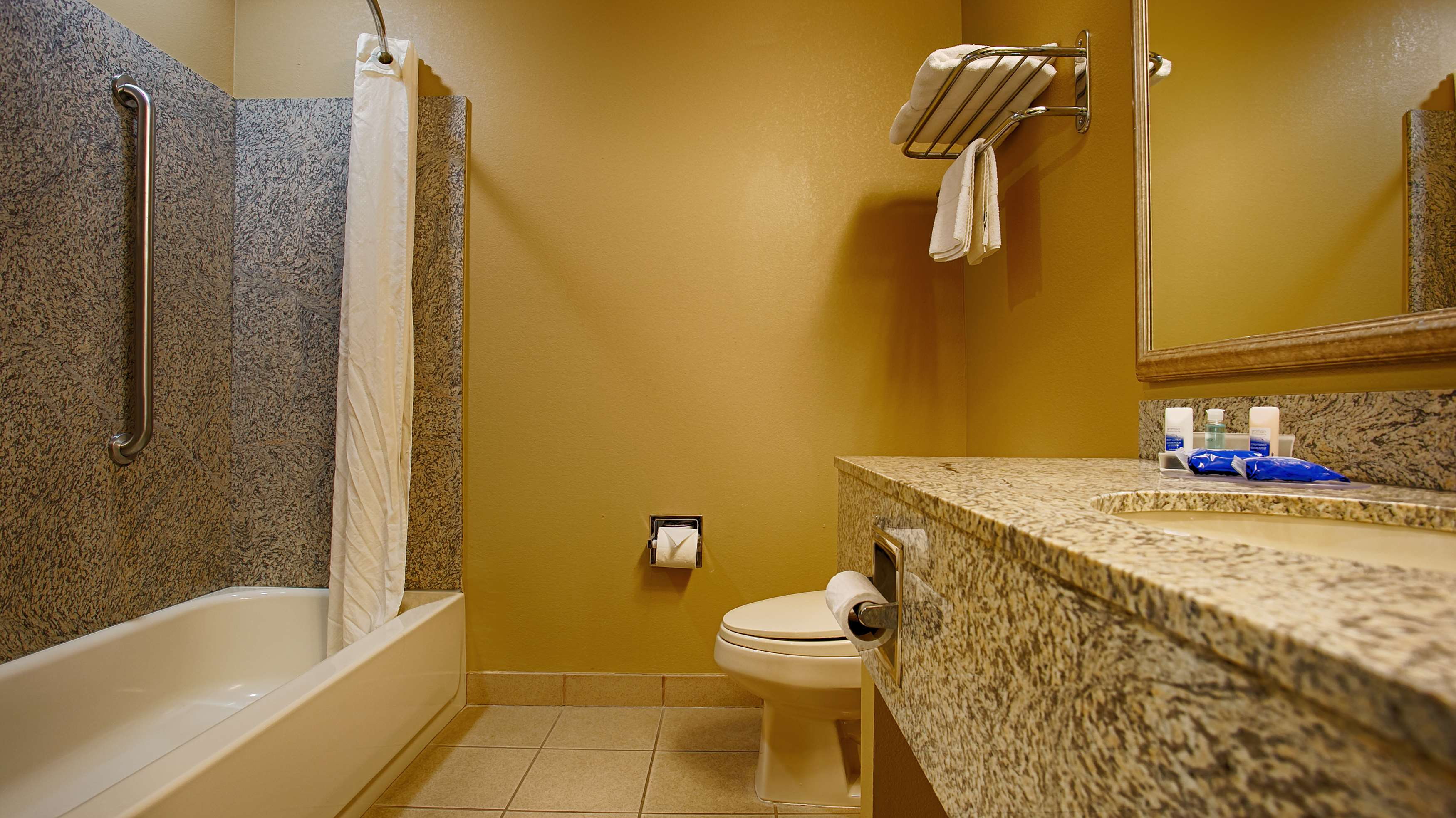 Best Western Plus Woodland Hills Hotel & Suites image 24