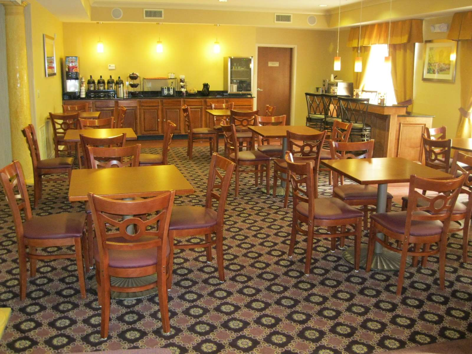 Best Western Plus Hannaford Inn & Suites image 41