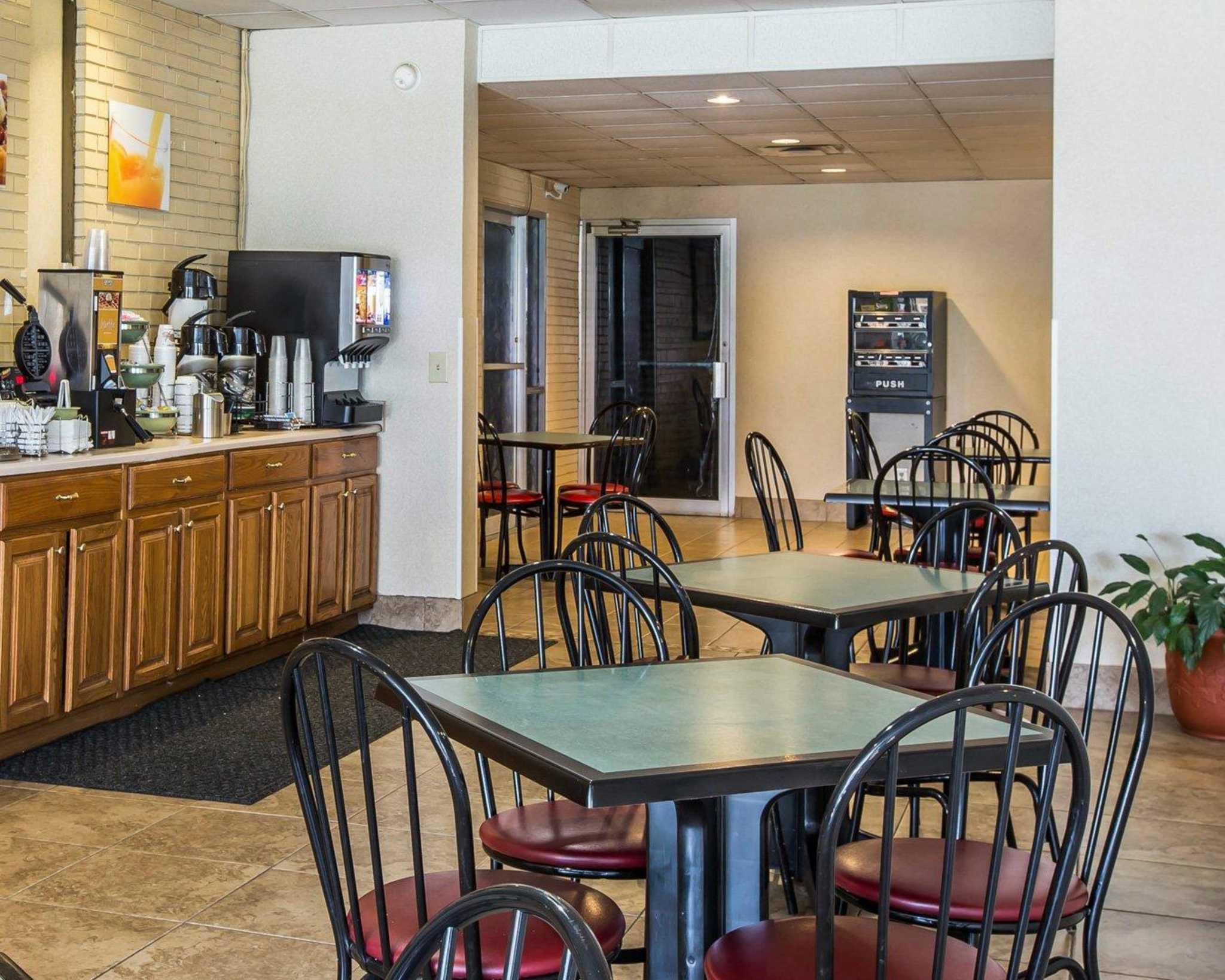 Quality Inn South image 22