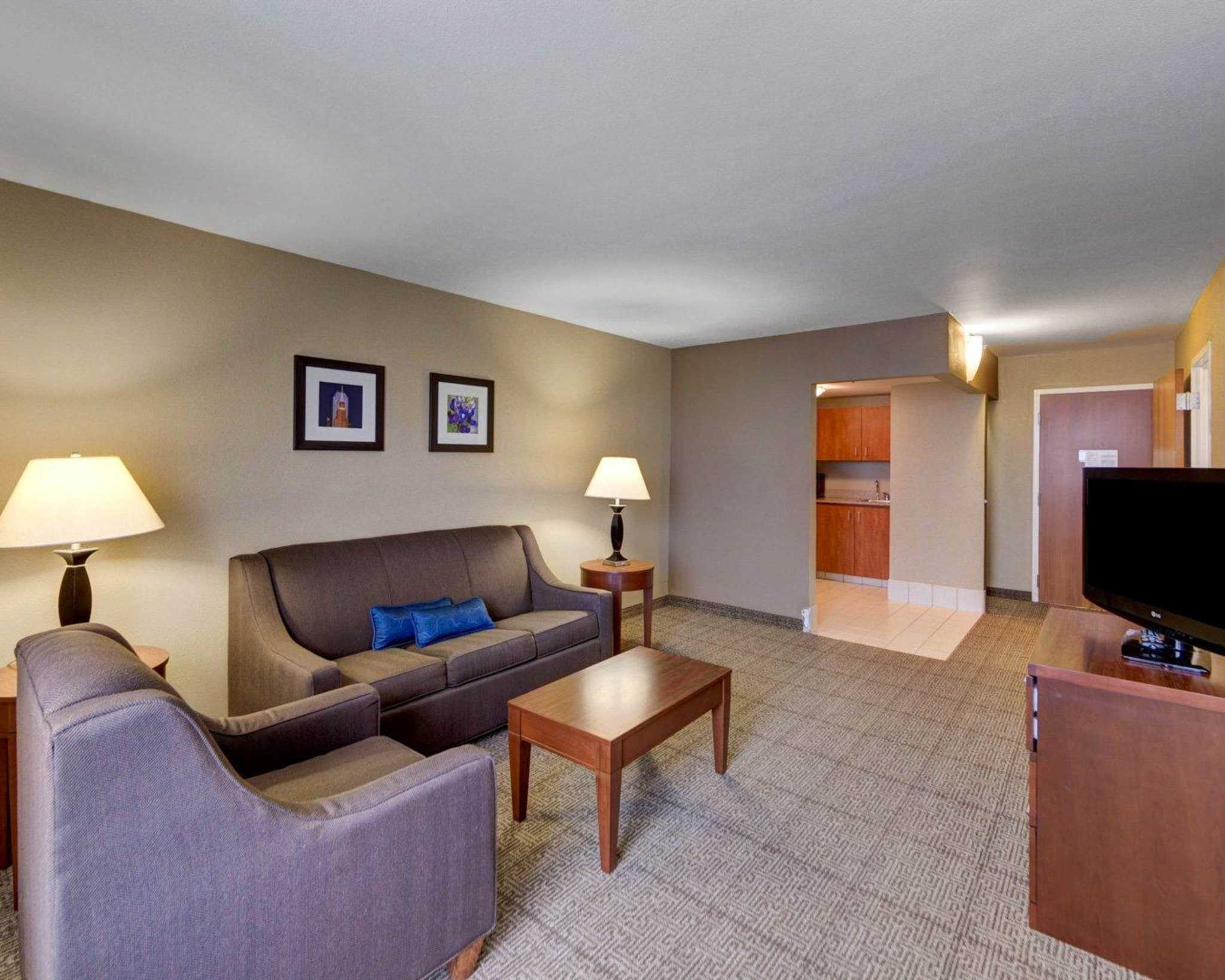 Comfort Inn & Suites Plano East image 54
