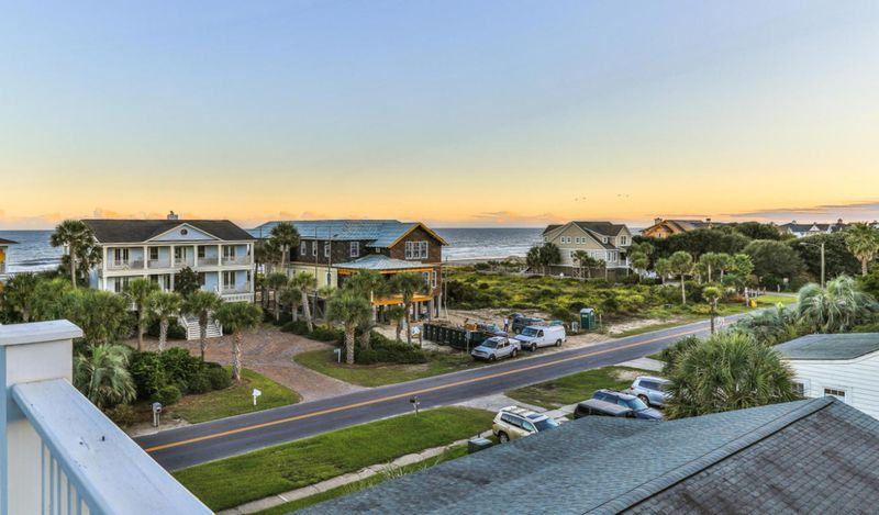 Isle of Palms Vacation Rentals by Exclusive Properties image 20