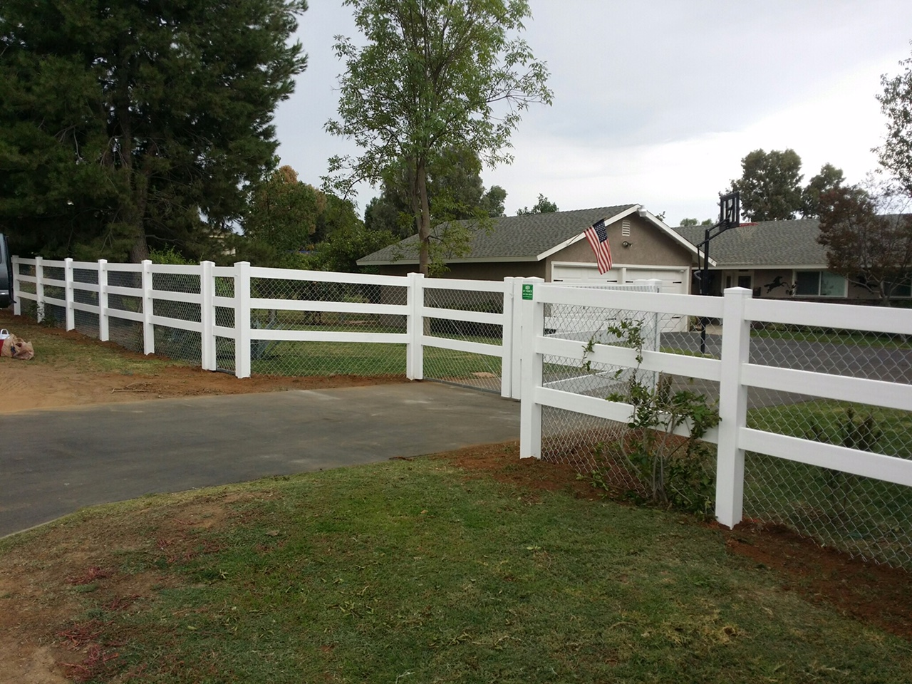 3T Fence image 33