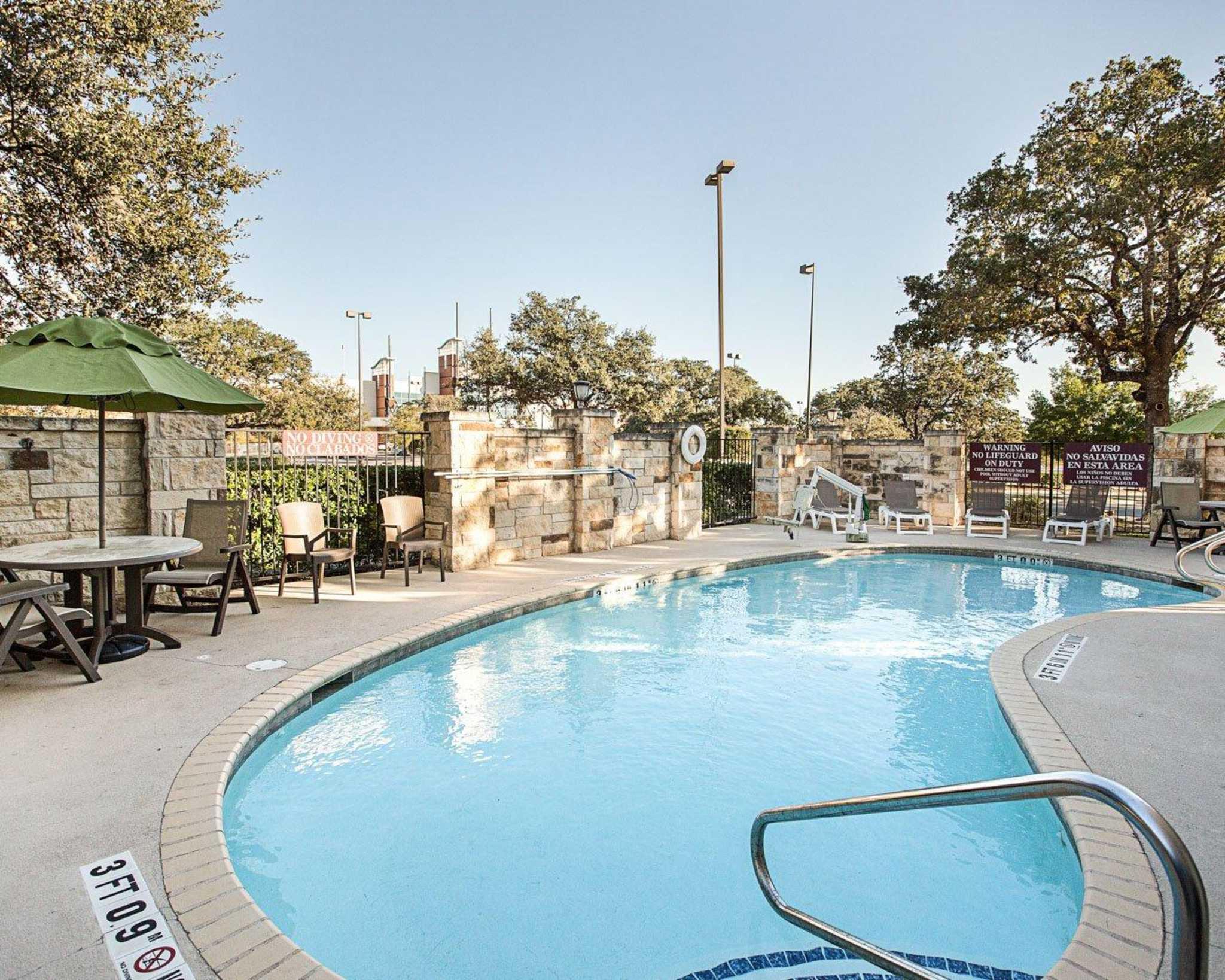 Comfort Suites San Antonio North - Stone Oak image 10