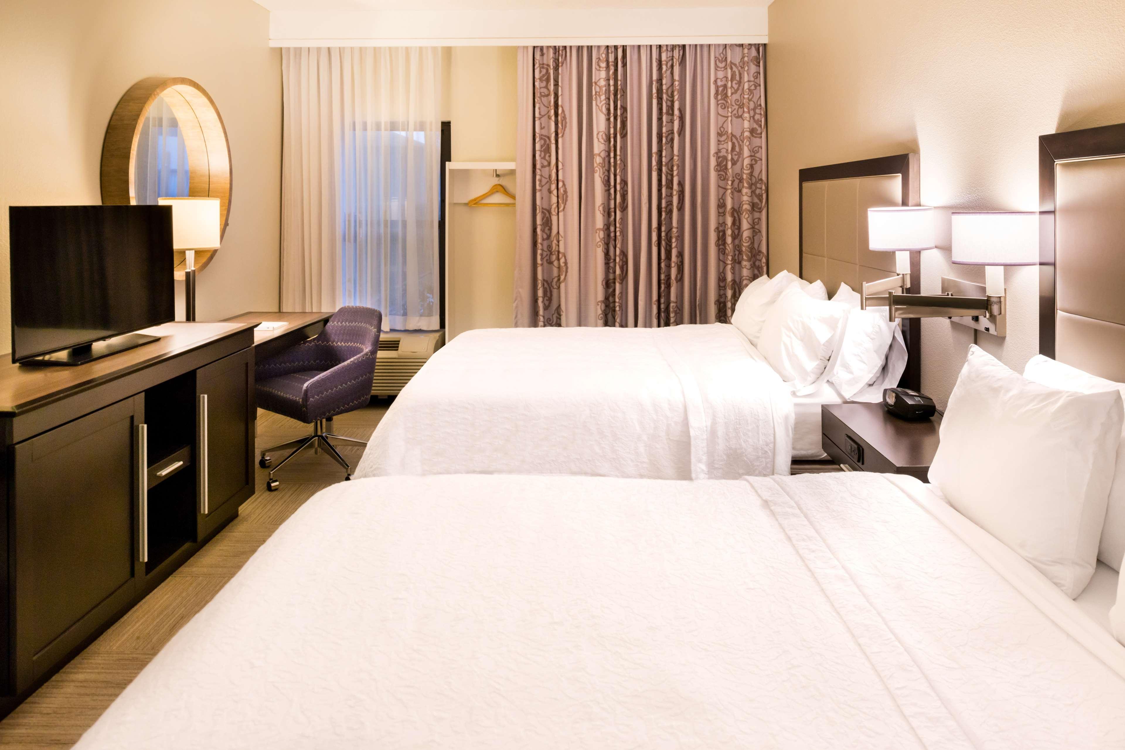 Hampton Inn & Suites Orlando/East UCF Area image 15