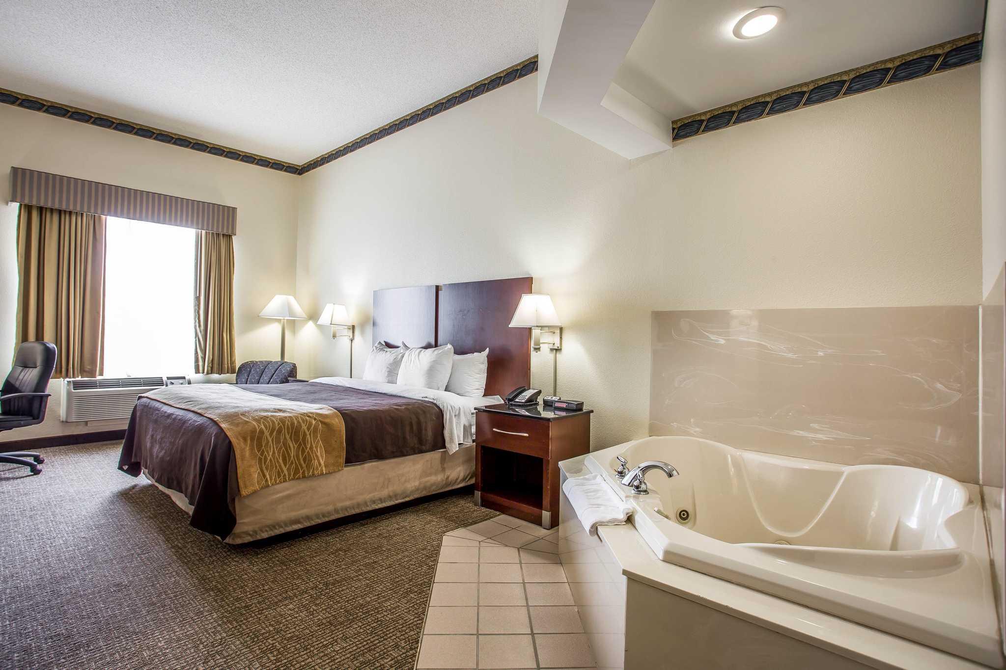 Comfort Inn & Suites Ft.Jackson Maingate image 23