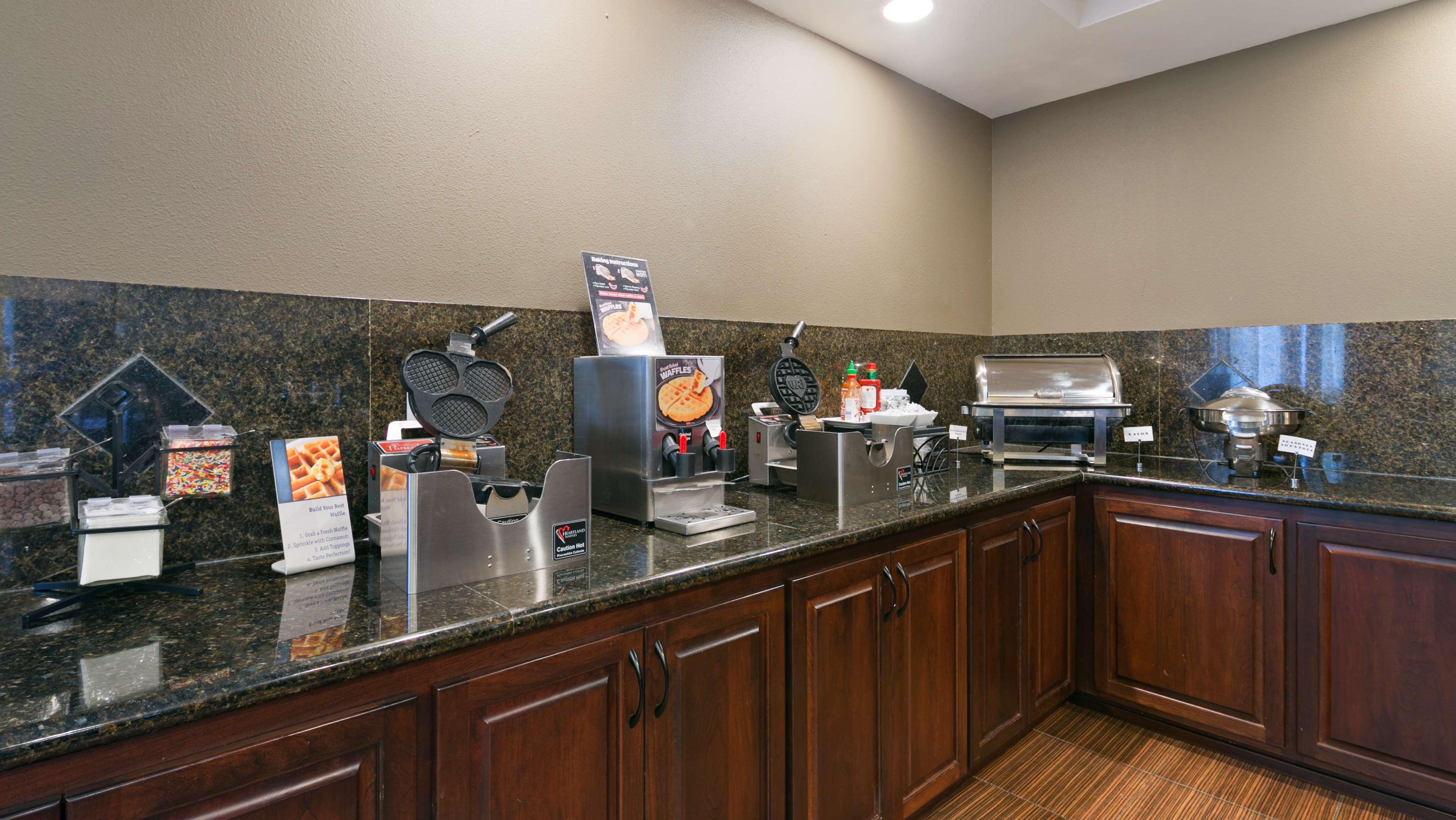 Best Western Plus Parkersville Inn & Suites image 13
