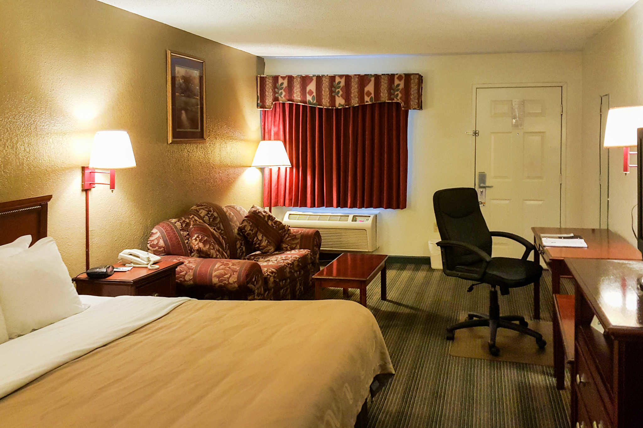 Quality Inn image 6