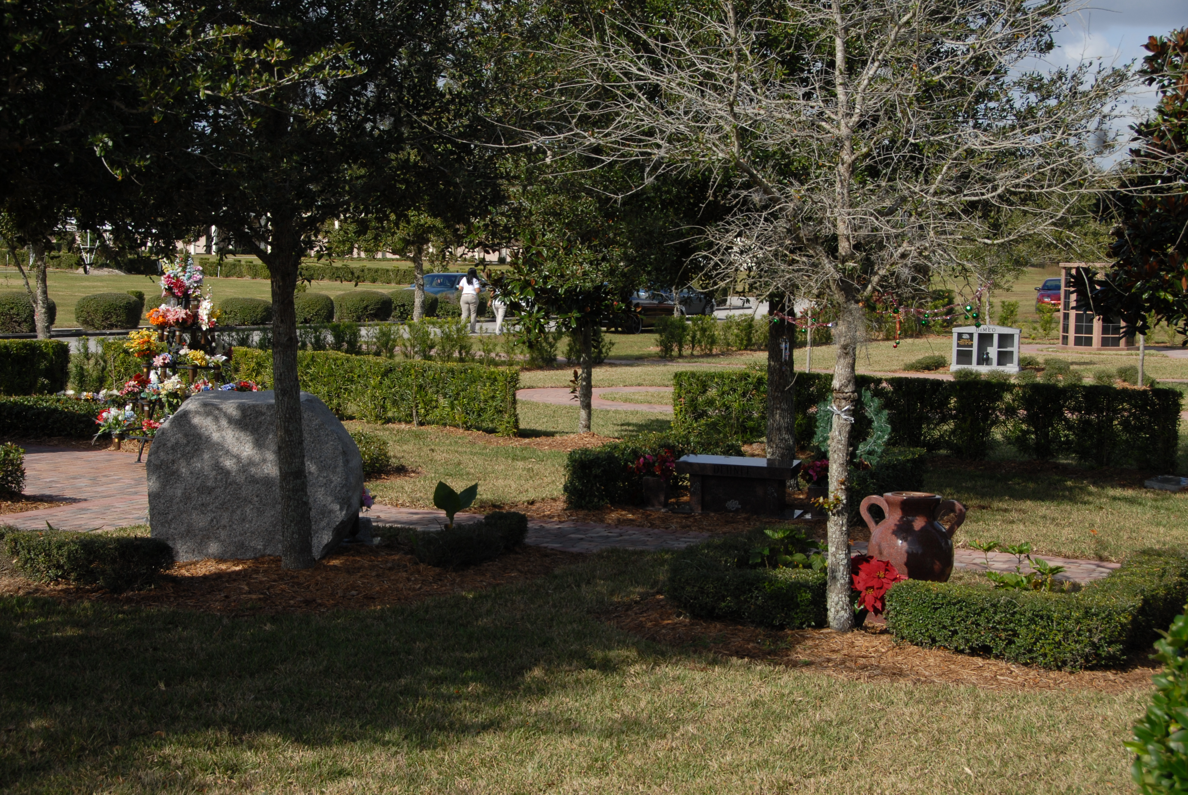 Osceola Memory Gardens Cemetery Funeral Homes & Crematory image 1