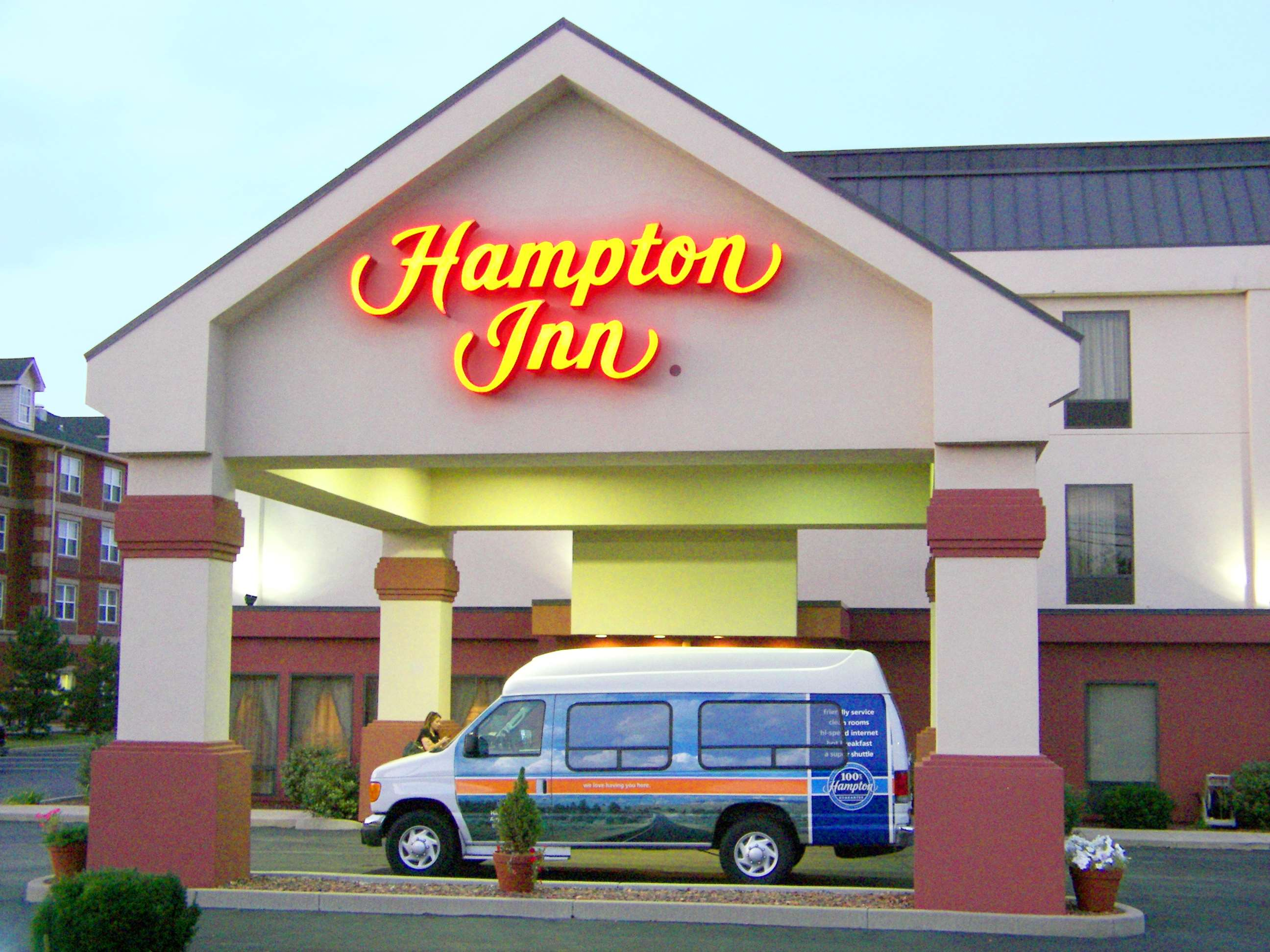 Hampton Inn Cincinnati Airport-North image 0