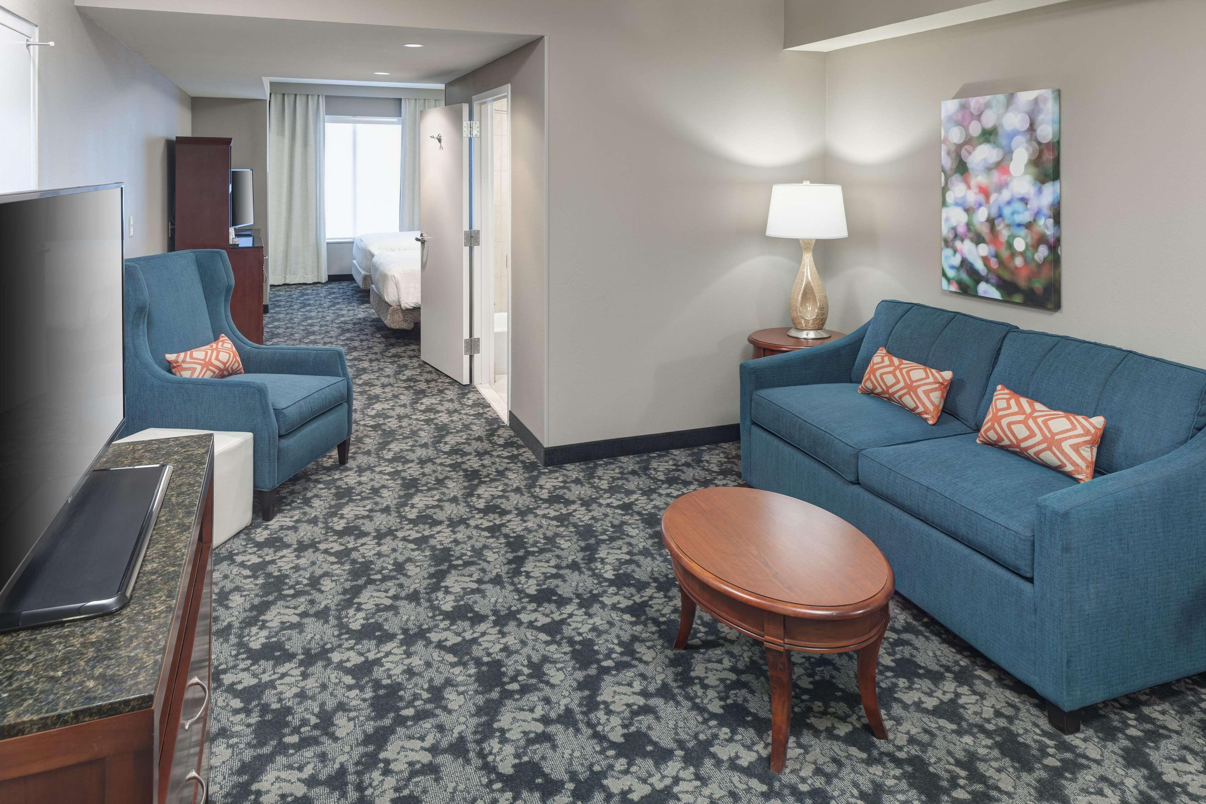 Hilton Garden Inn Frisco image 2