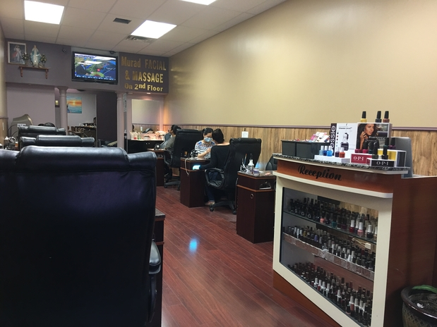 Queen nails day spa in philadelphia pa 19106 citysearch for 24 hour nail salon brooklyn ny