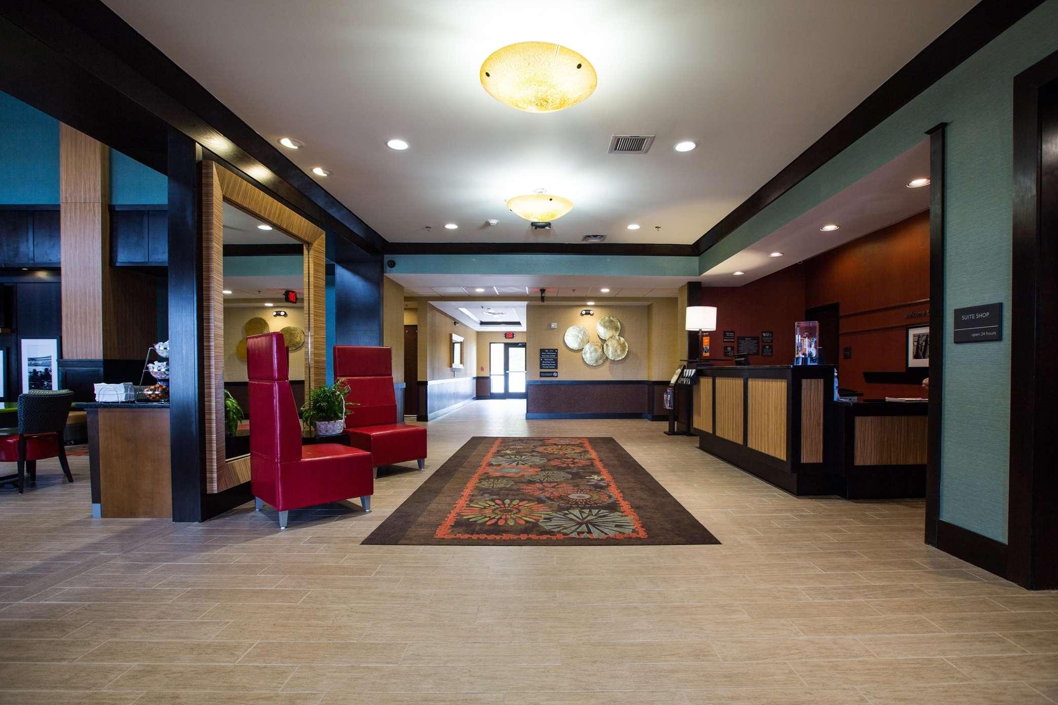 Hampton Inn & Suites Toledo/Westgate image 2