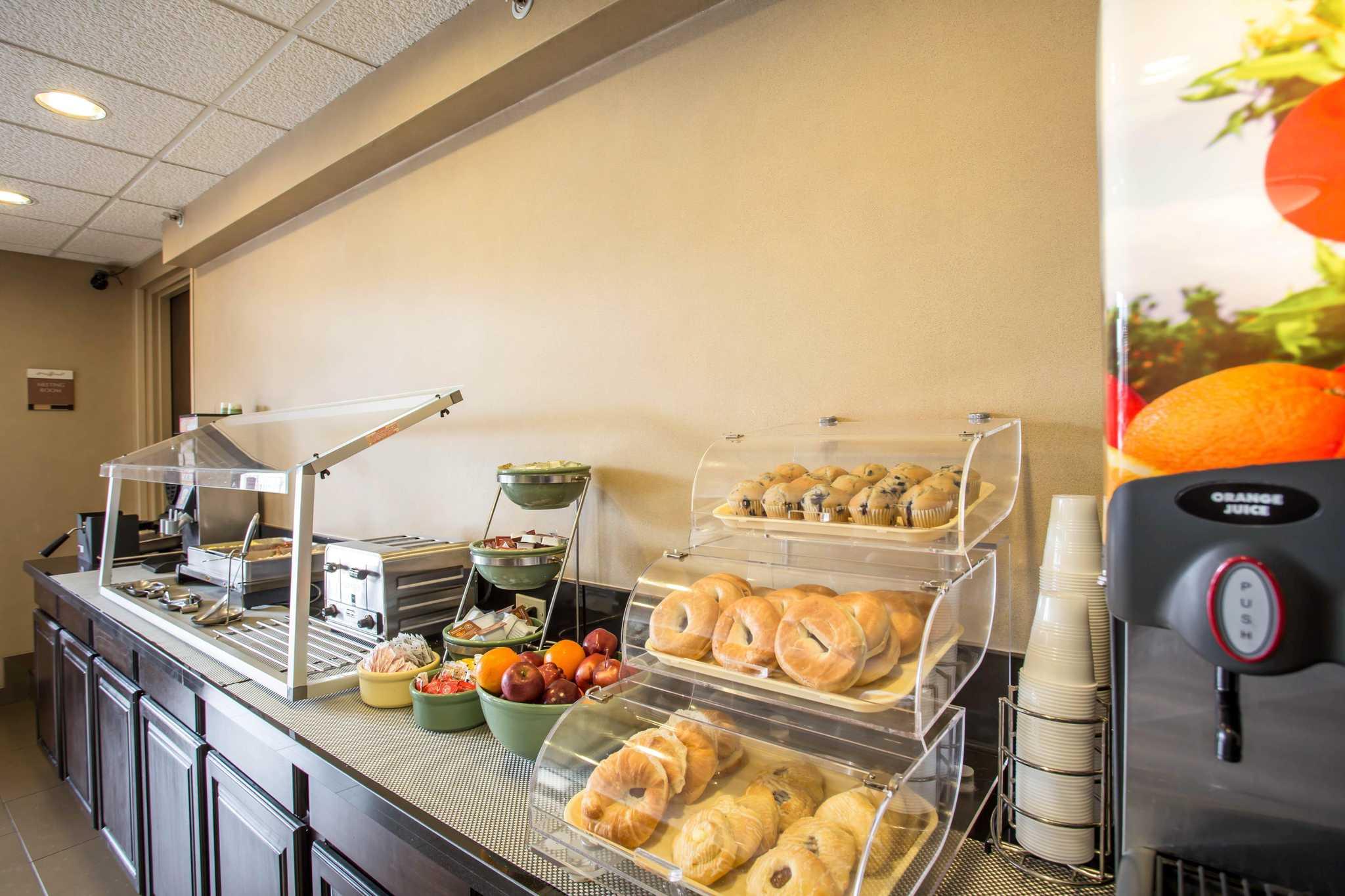 Quality Inn & Suites Matthews - Charlotte image 17