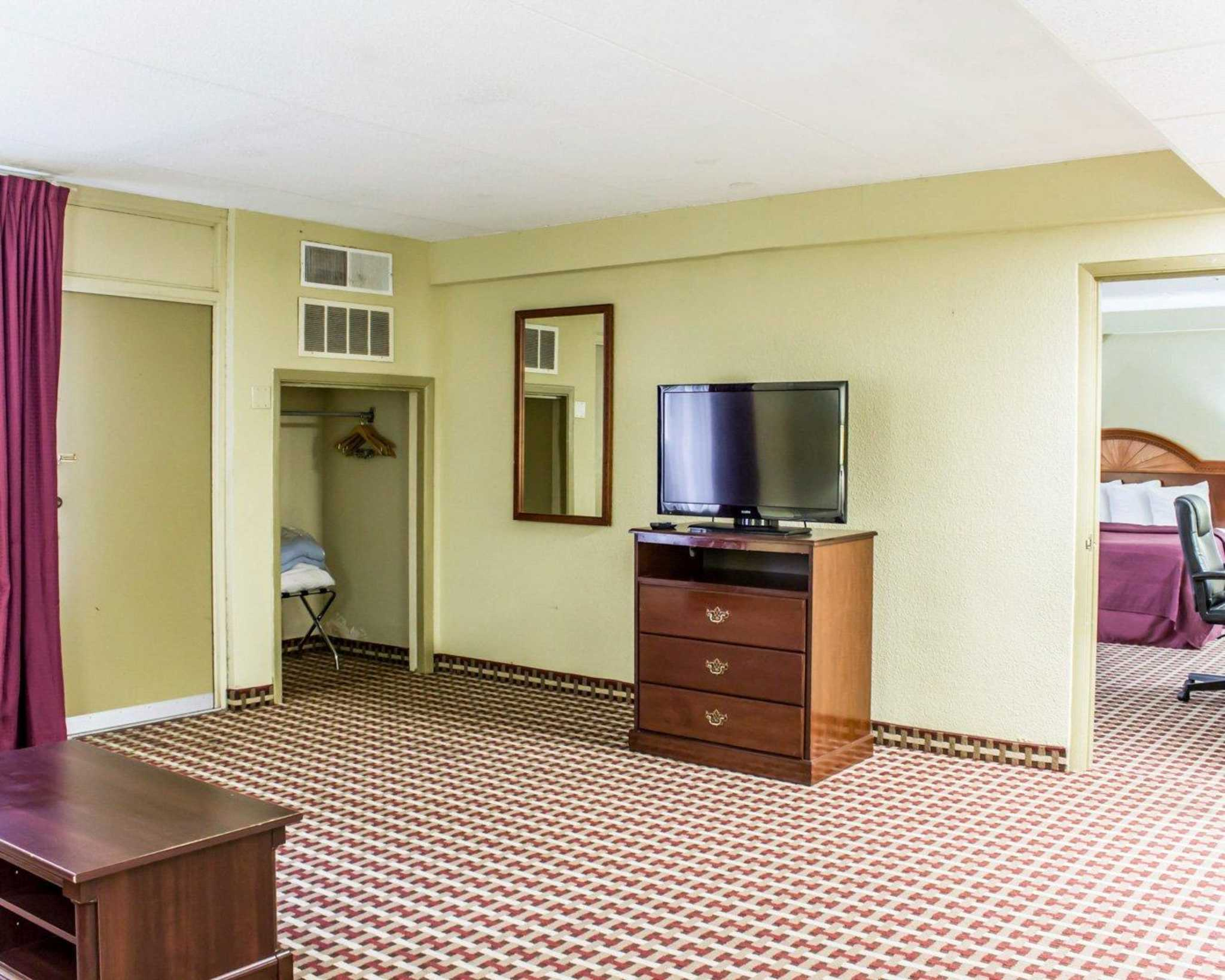 Quality Inn & Suites Fort Bragg image 21