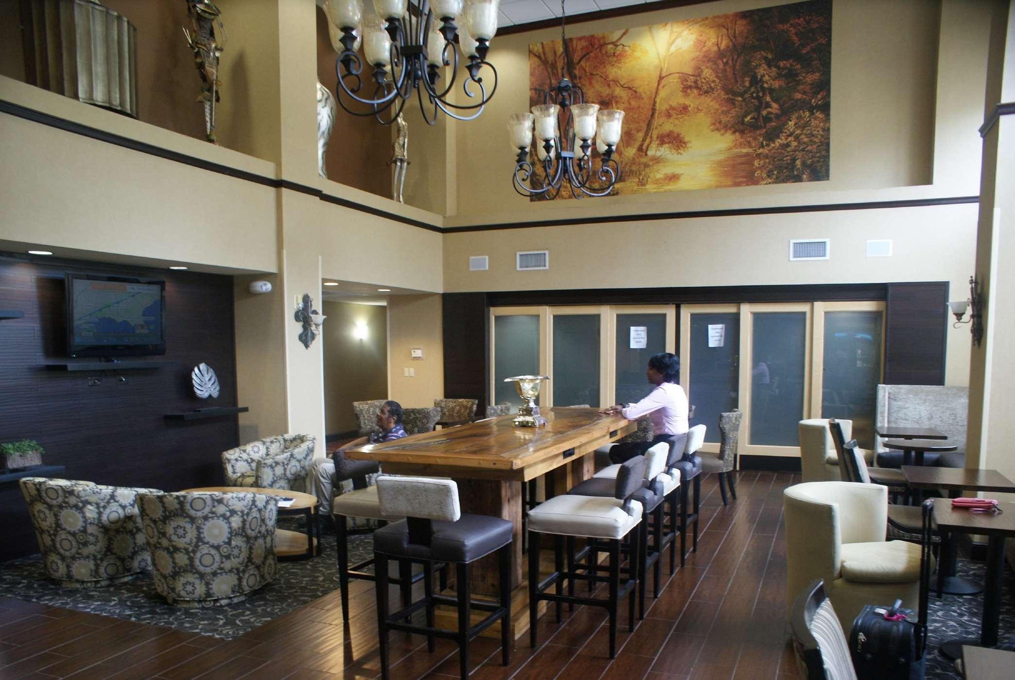 Hampton Inn & Suites Lafayette image 7