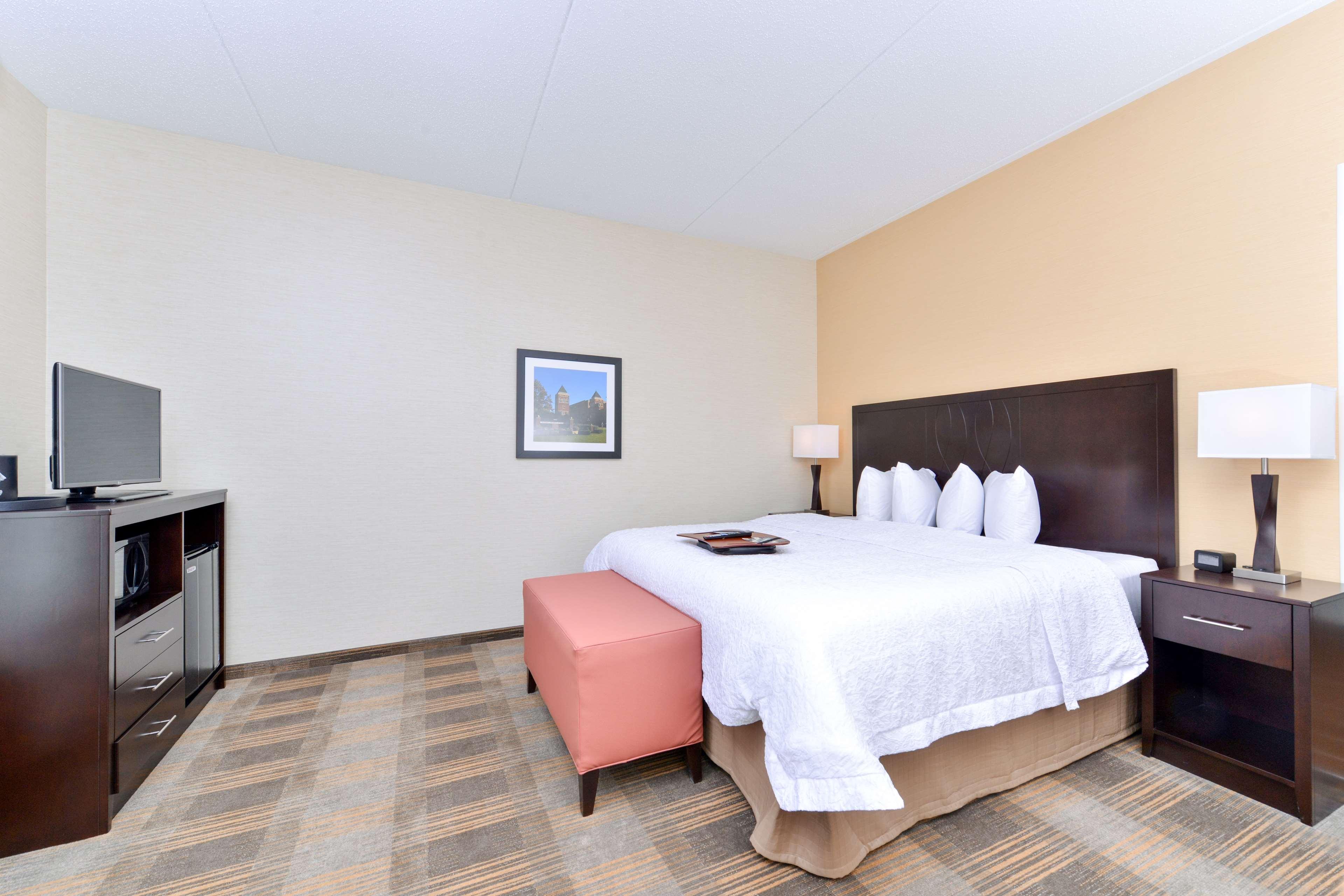 Hampton Inn & Suites California University-Pittsburgh image 17