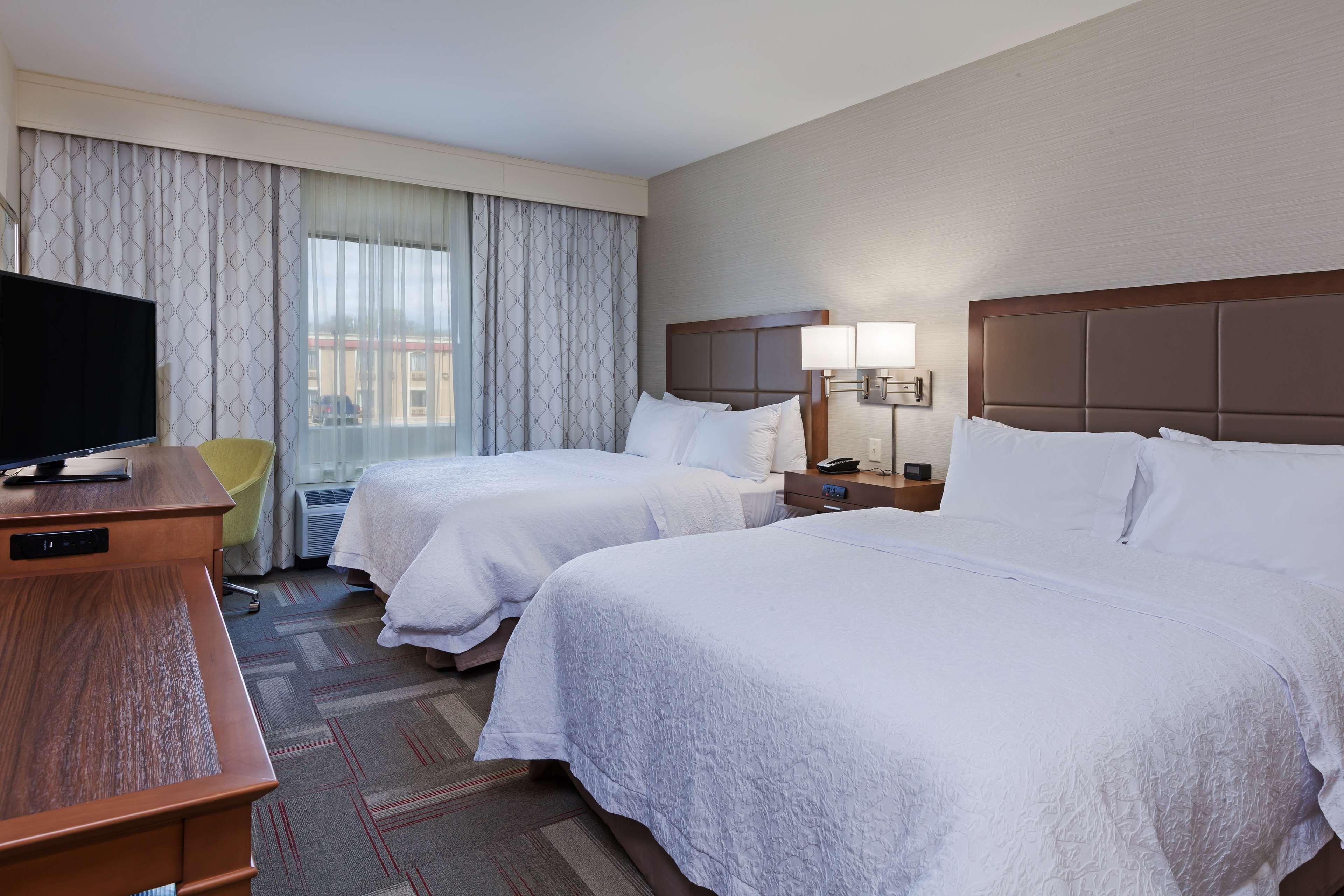 Hampton Inn & Suites Claremore image 23