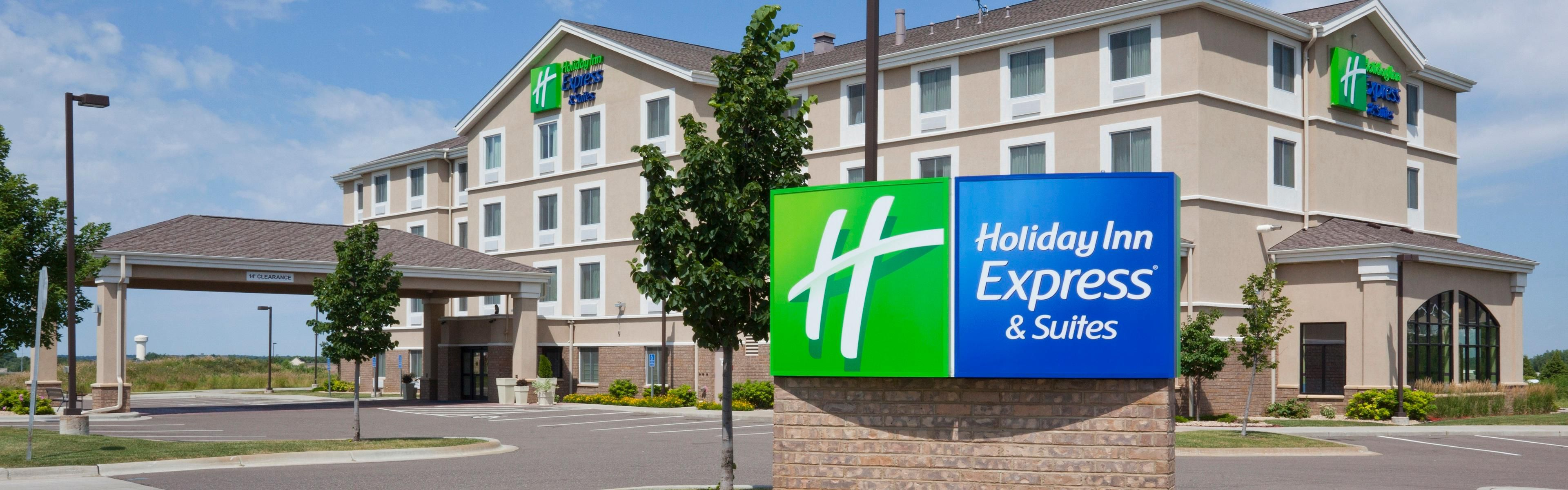 Holiday Inn Express & Suites Rogers image 0