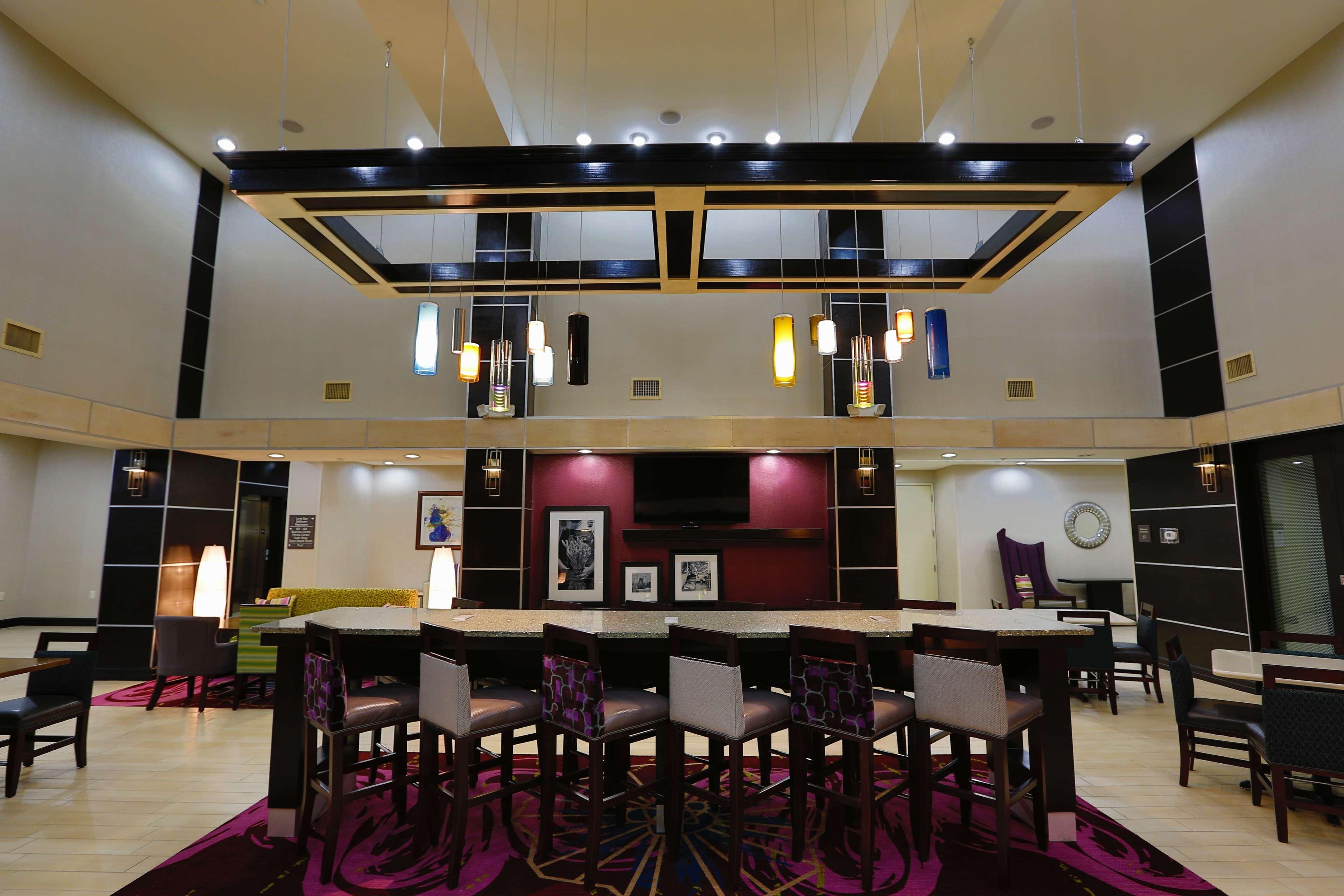Hampton Inn & Suites Missouri City, TX image 10