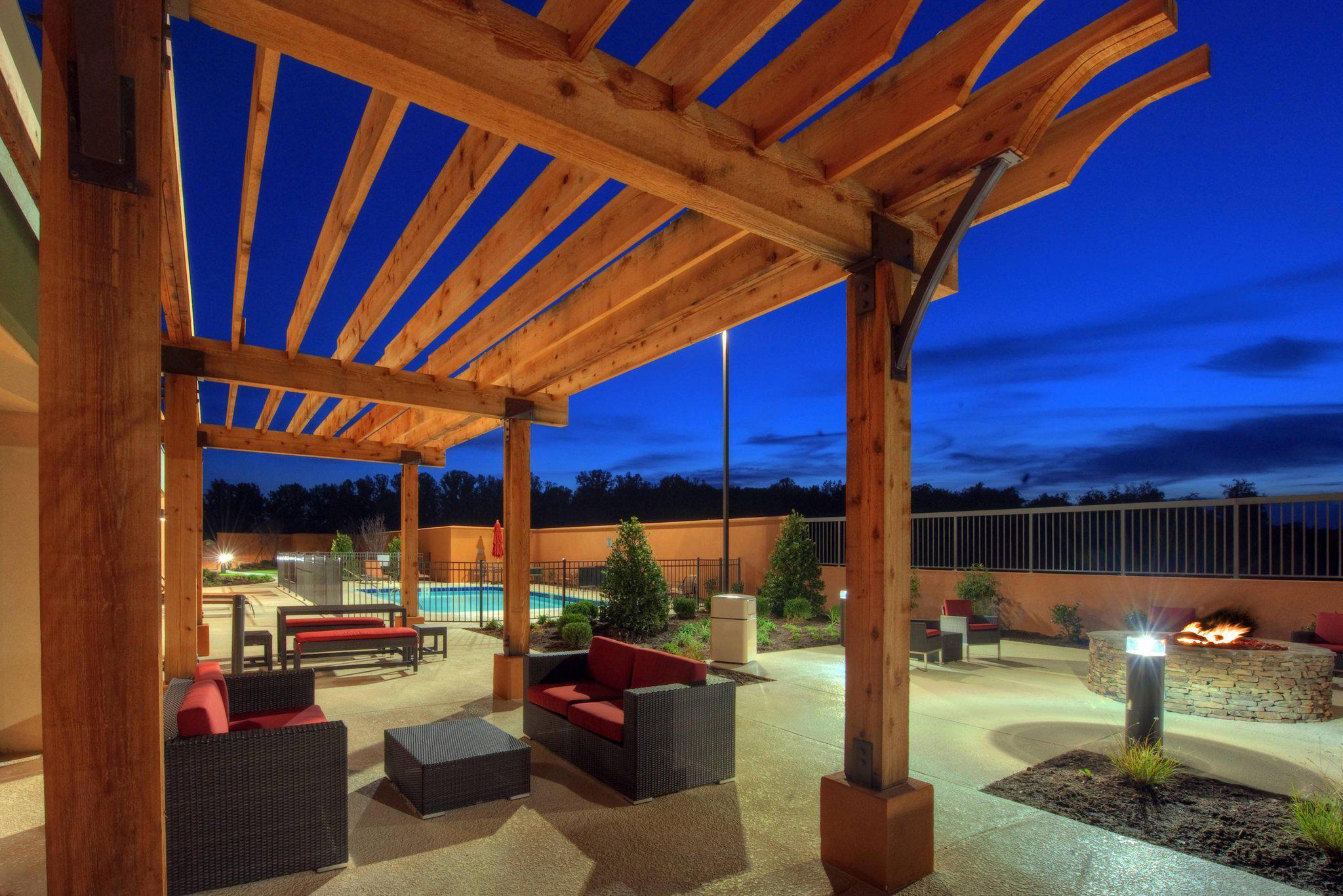 Courtyard by Marriott Johnson City
