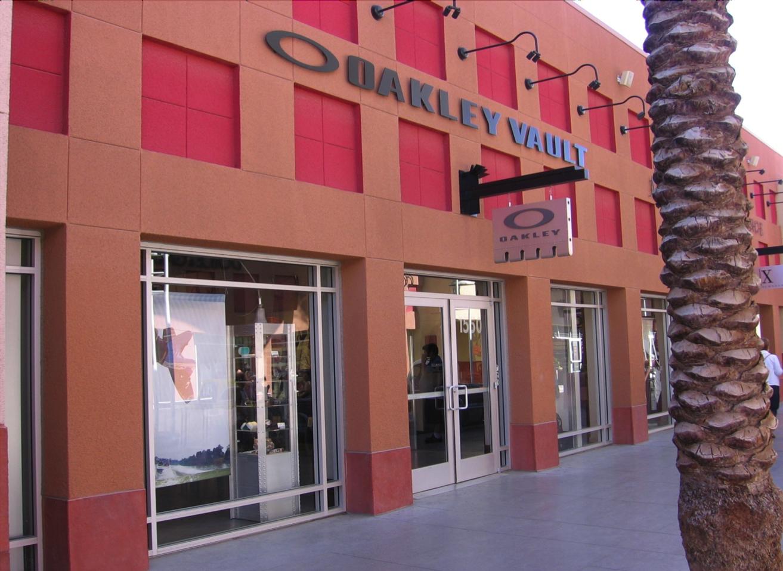 Oakley Vault 855 S Grand Central Pkwy Ste 1550, Las Vegas Premium Outlets  North Las Vegas, NV Sunglasses - MapQuest