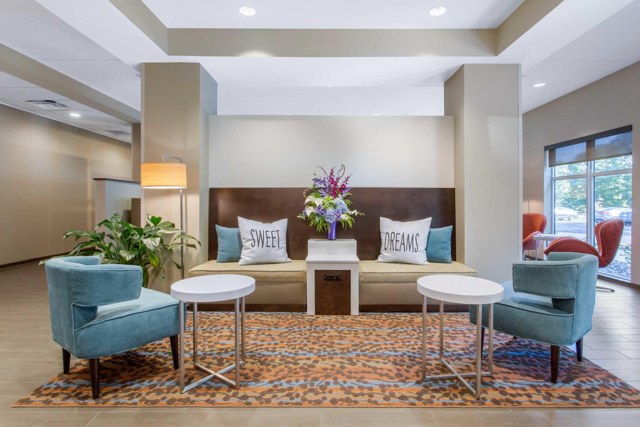 Sleep Inn & Suites Monroe - Woodbury image 7