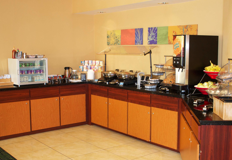 Fairfield Inn & Suites by Marriott St. Petersburg Clearwater image 1