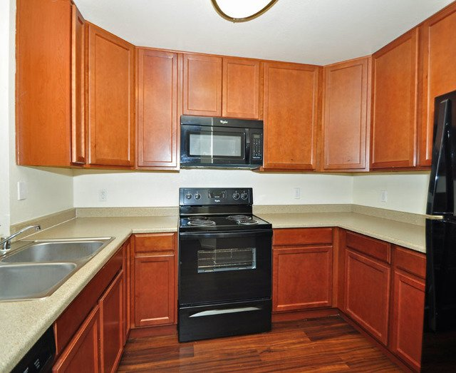 Canyon Club Apartments image 11